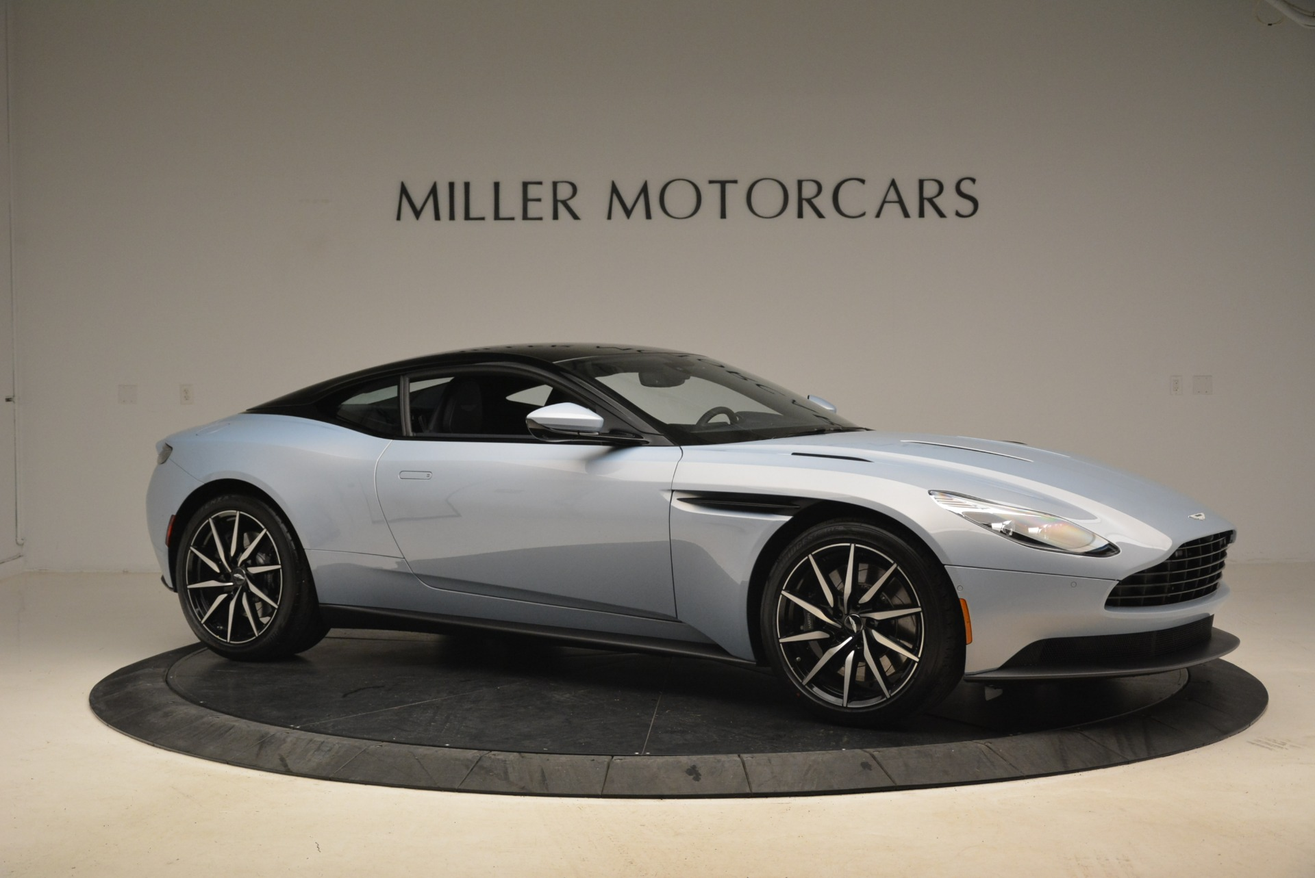 New 2018 Aston Martin DB11 V12 For Sale In Westport, CT 2225_p10