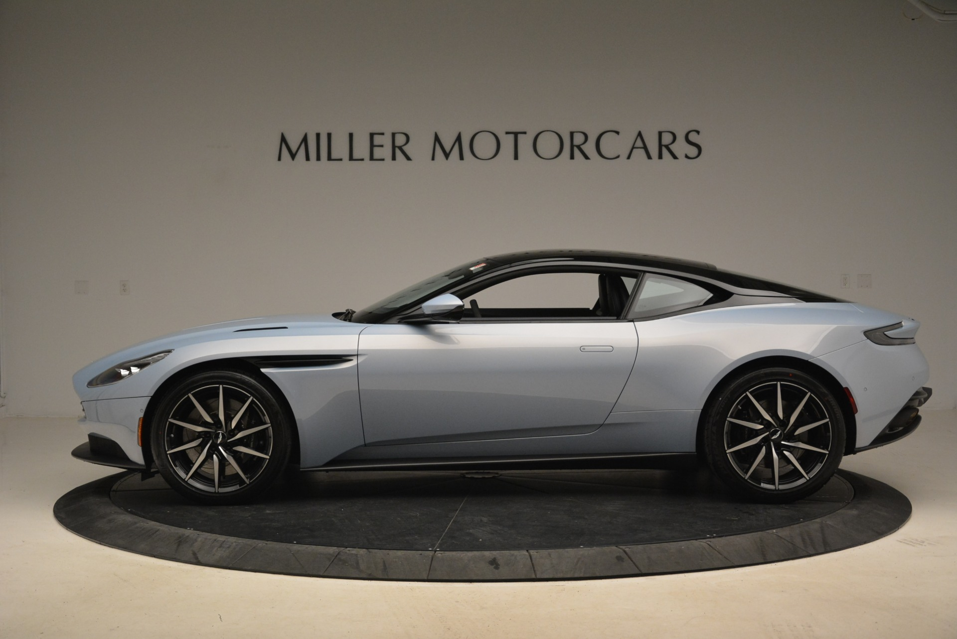 New 2018 Aston Martin DB11 V12 For Sale In Westport, CT 2225_p3