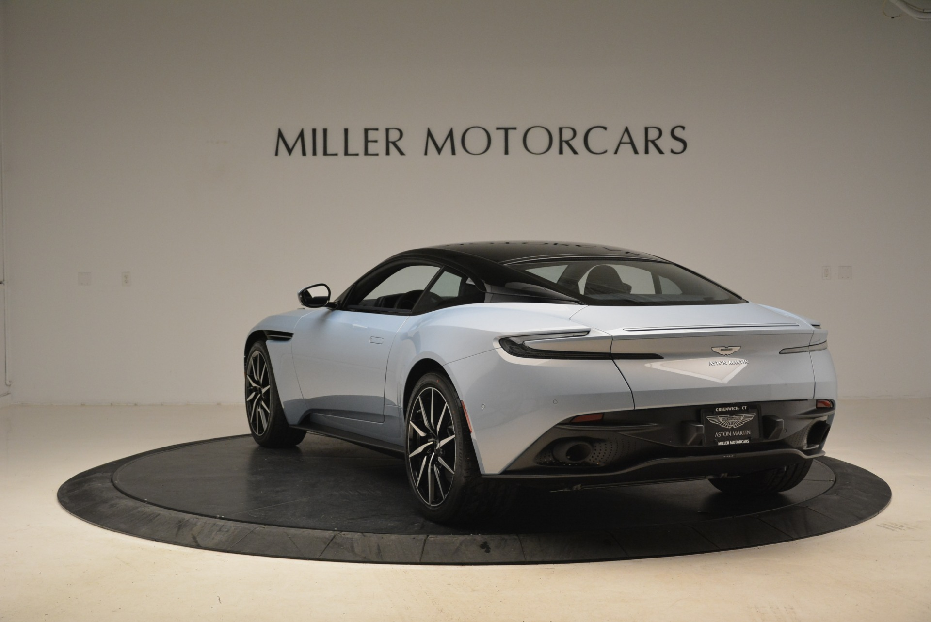 New 2018 Aston Martin DB11 V12 For Sale In Westport, CT 2225_p5