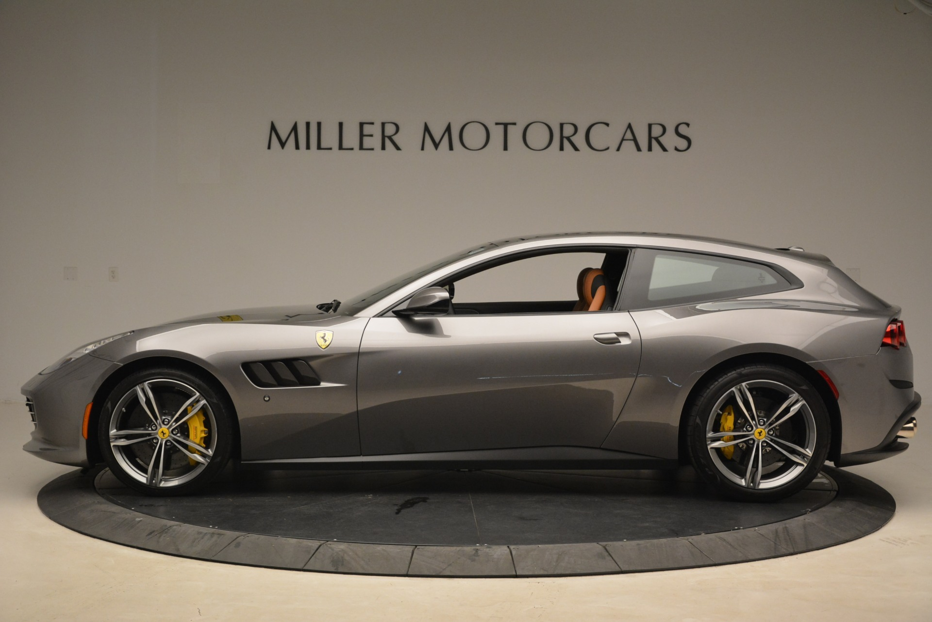 Used 2017 Ferrari GTC4Lusso  For Sale In Westport, CT 2229_p3