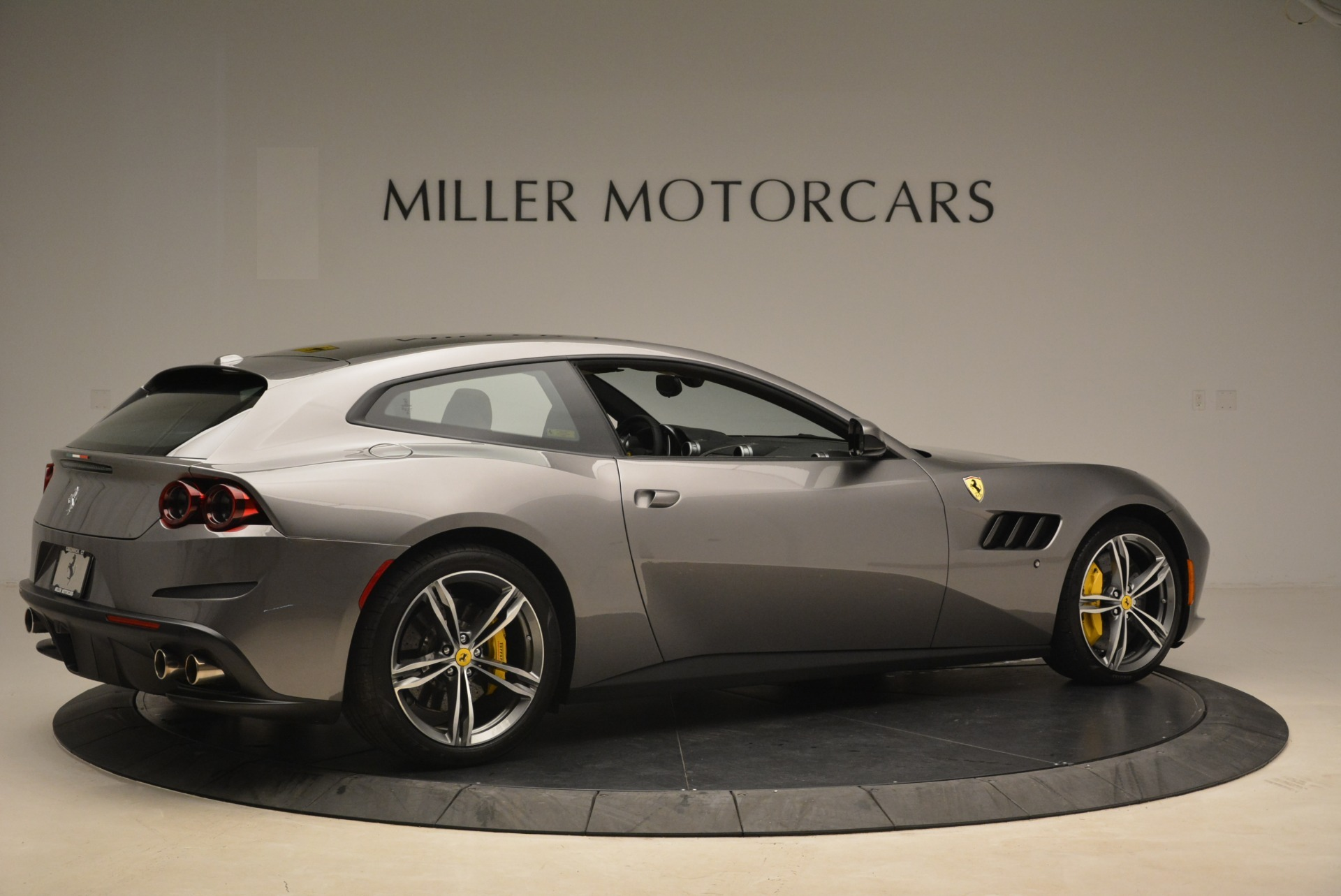 Used 2017 Ferrari GTC4Lusso  For Sale In Westport, CT 2229_p8
