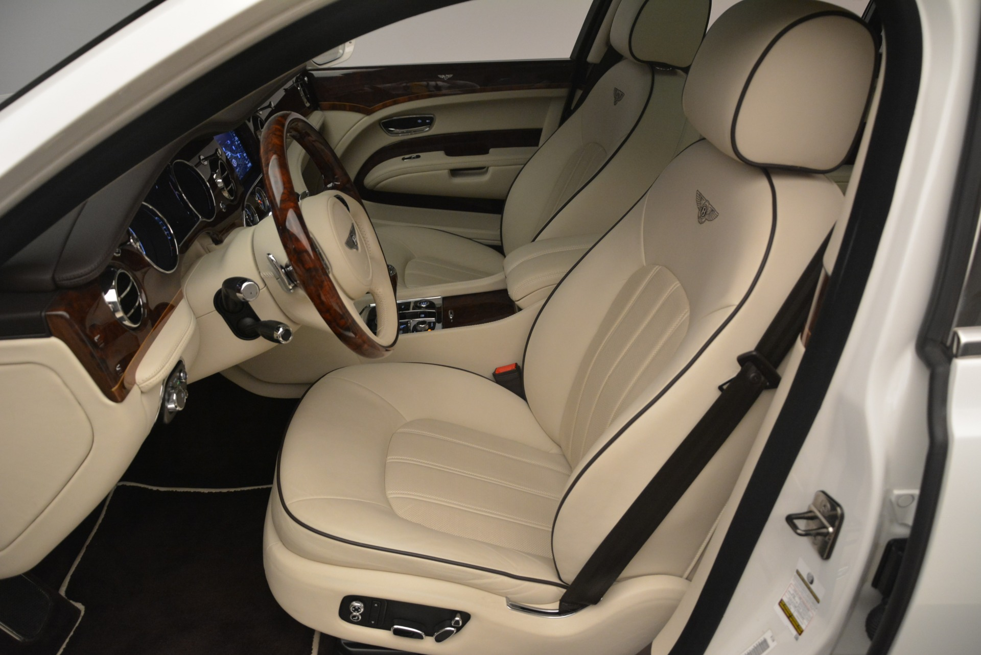 Used 2013 Bentley Mulsanne  For Sale In Westport, CT 2230_p17
