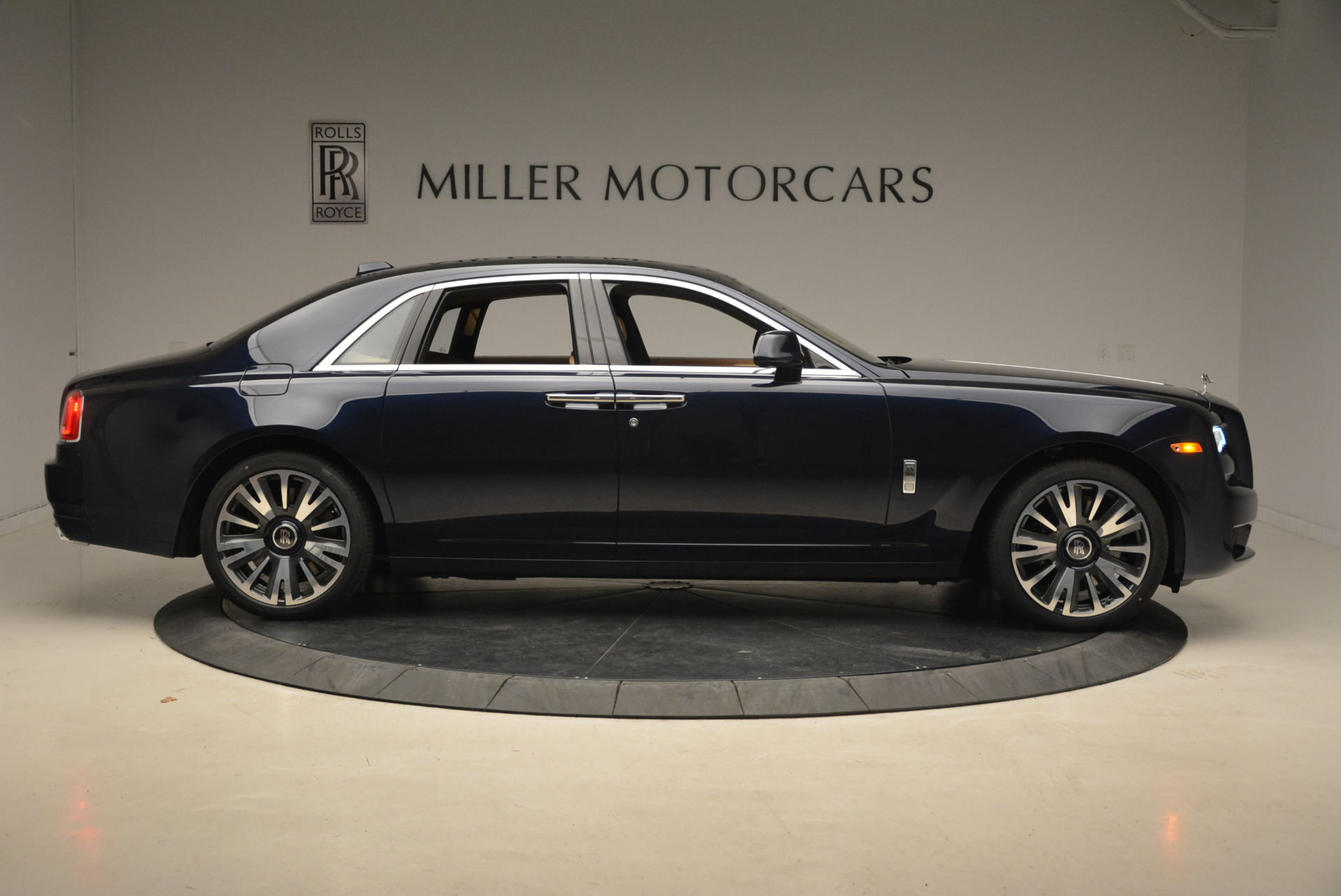 Used 2018 Rolls-Royce Ghost  For Sale In Westport, CT 2231_p10