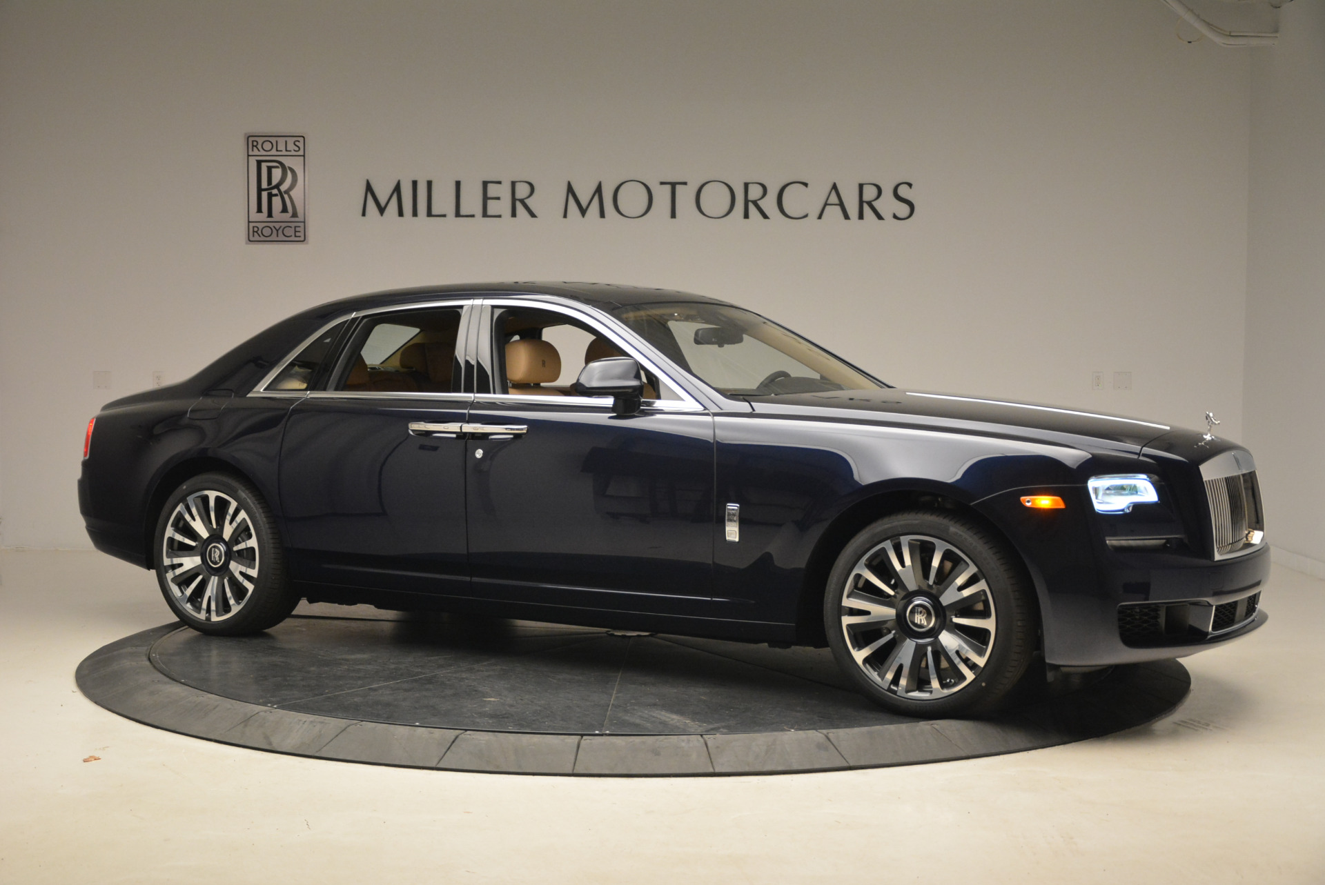 Used 2018 Rolls-Royce Ghost  For Sale In Westport, CT 2231_p11