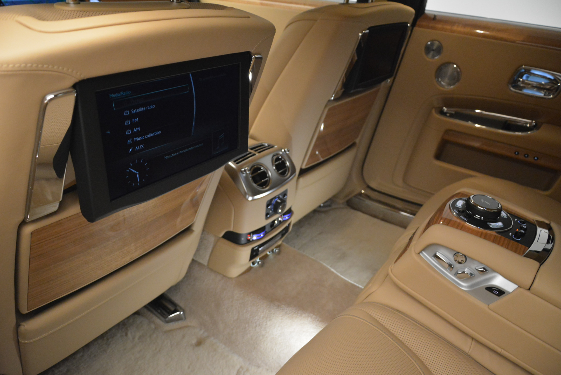 Used 2018 Rolls-Royce Ghost  For Sale In Westport, CT 2231_p23