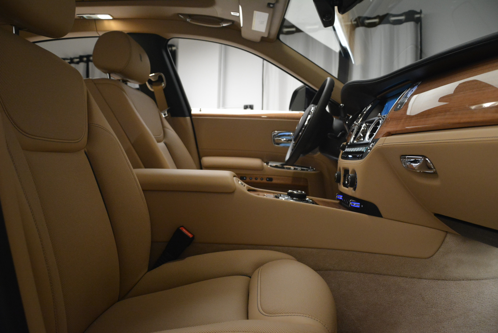 Used 2018 Rolls-Royce Ghost  For Sale In Westport, CT 2231_p27