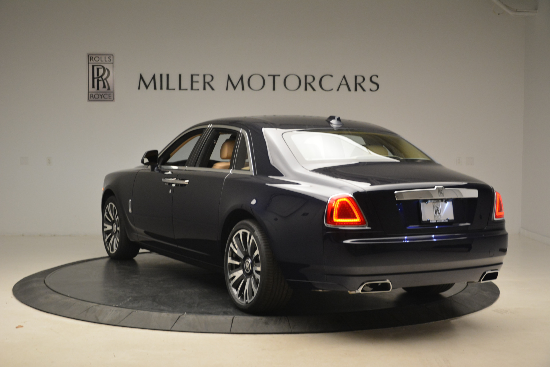 Used 2018 Rolls-Royce Ghost  For Sale In Westport, CT 2231_p7