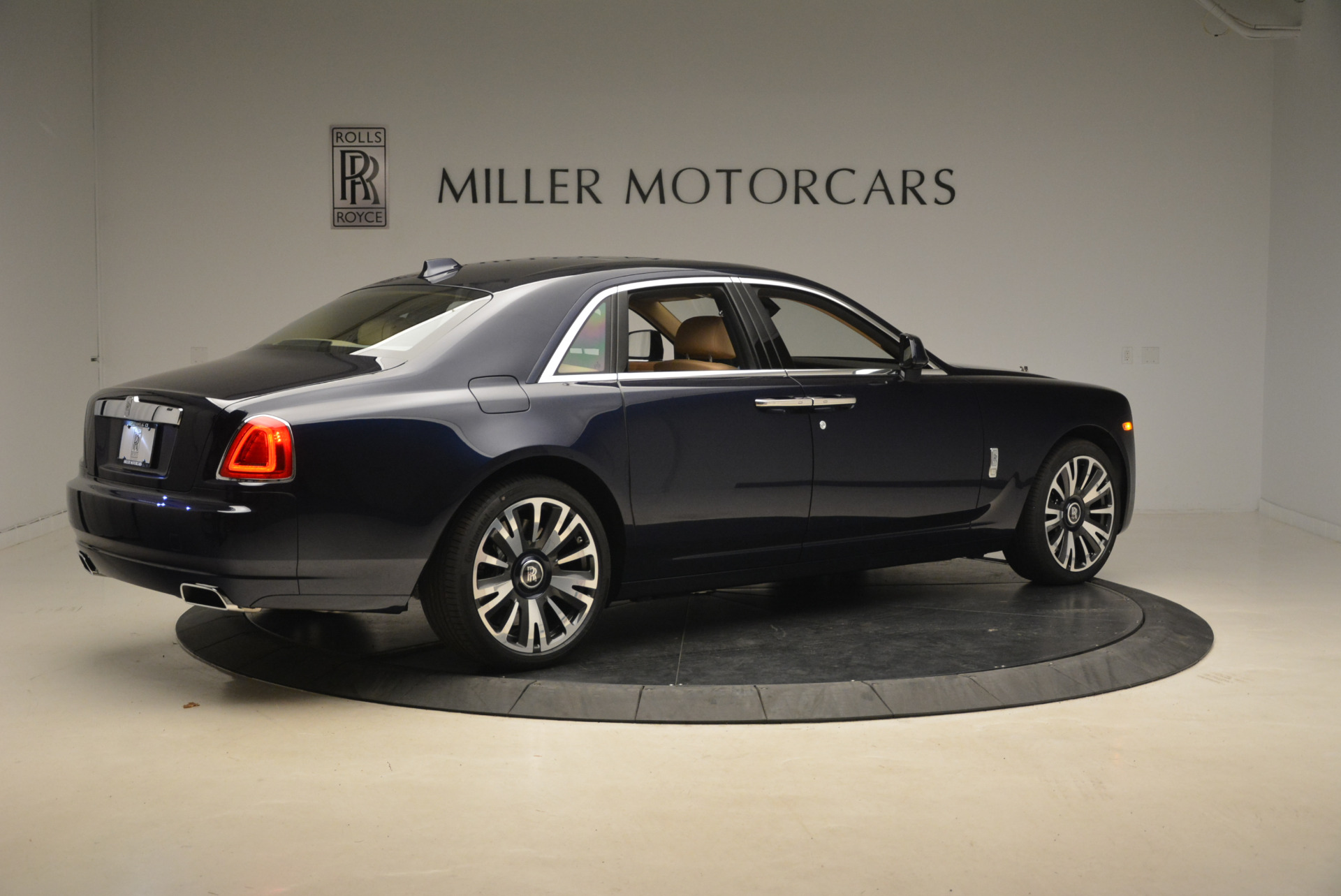 Used 2018 Rolls-Royce Ghost  For Sale In Westport, CT 2231_p9