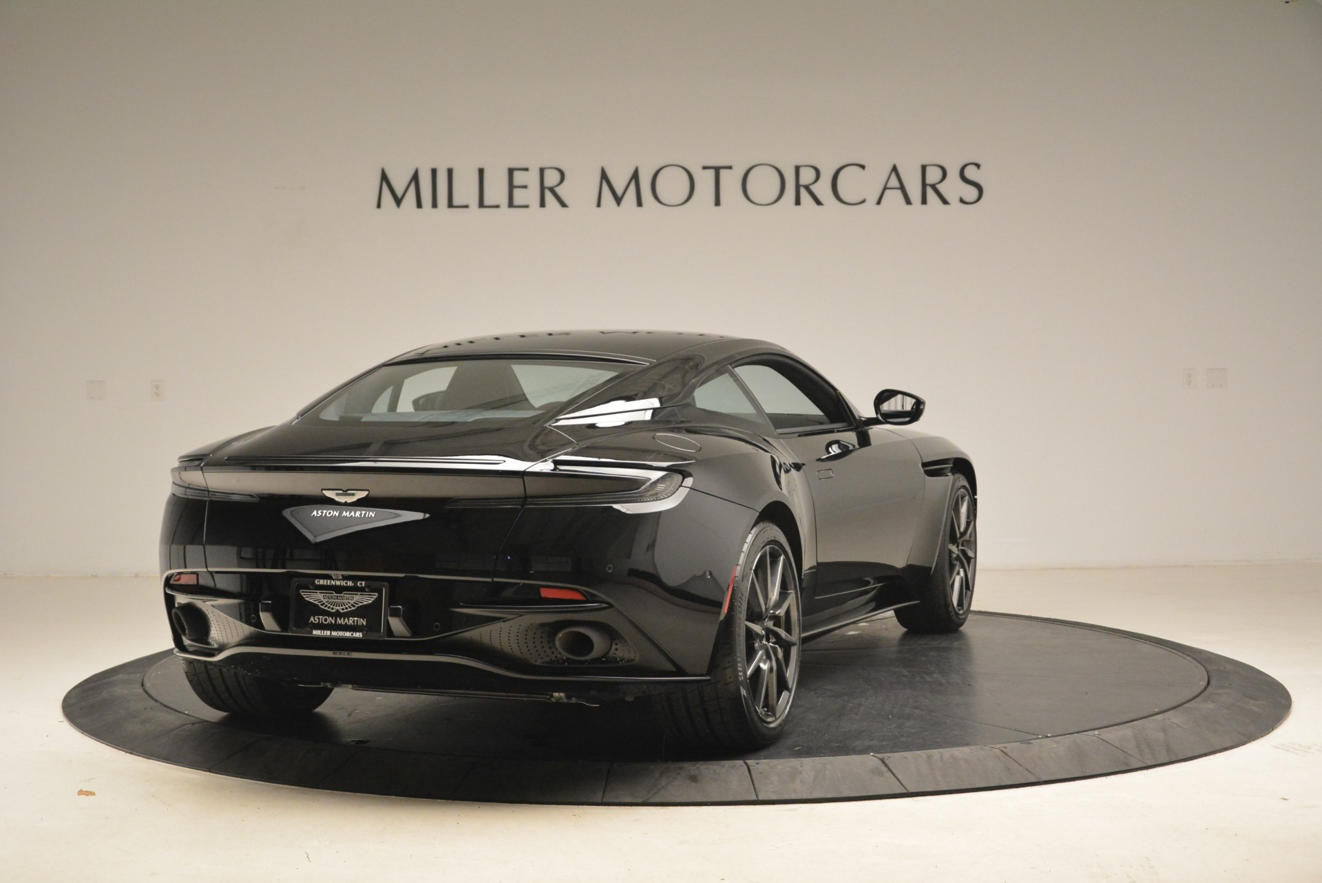 New 2018 Aston Martin DB11 V8 Coupe For Sale In Westport, CT 2237_p7