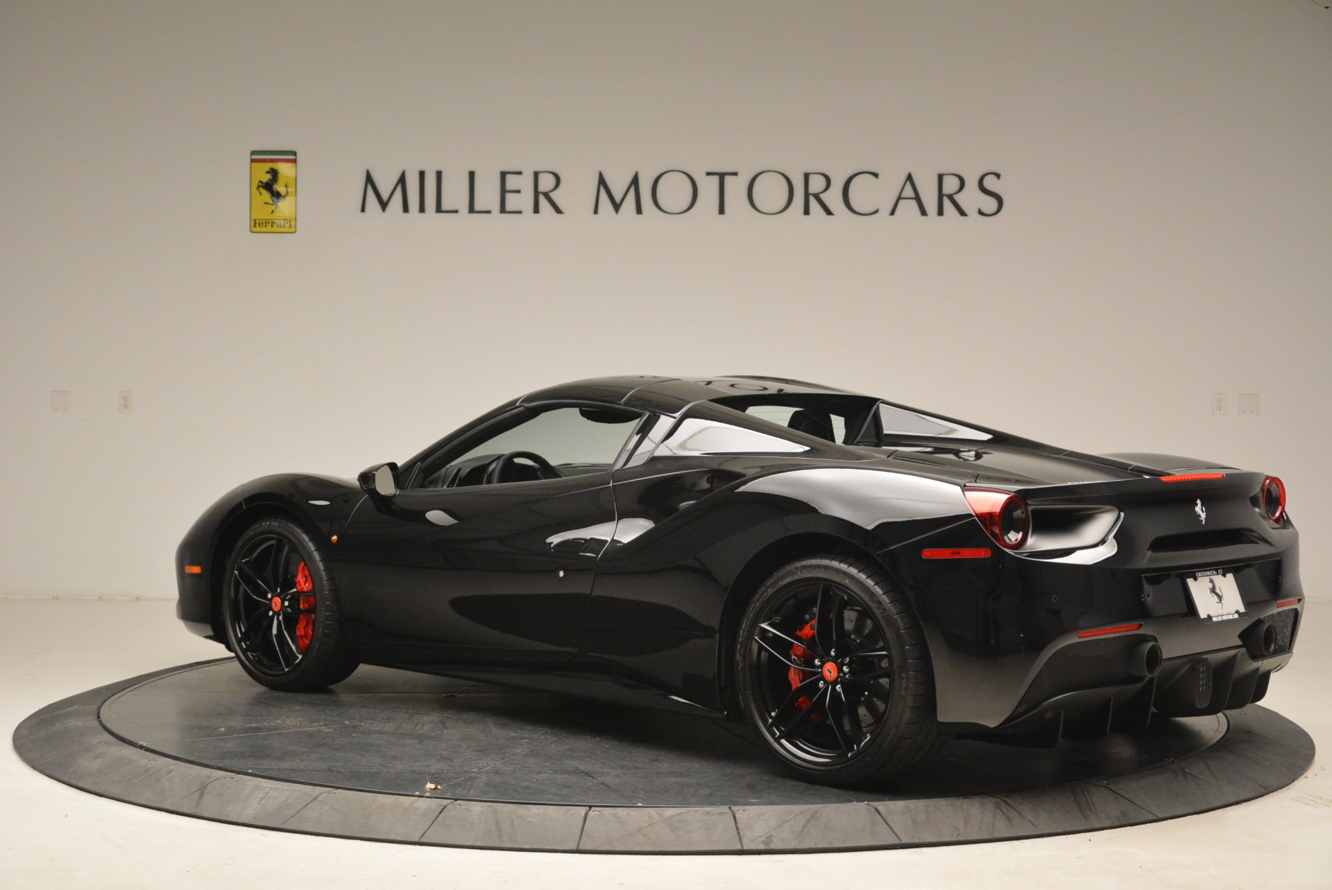 Used 2018 Ferrari 488 Spider  For Sale In Westport, CT 2245_p16