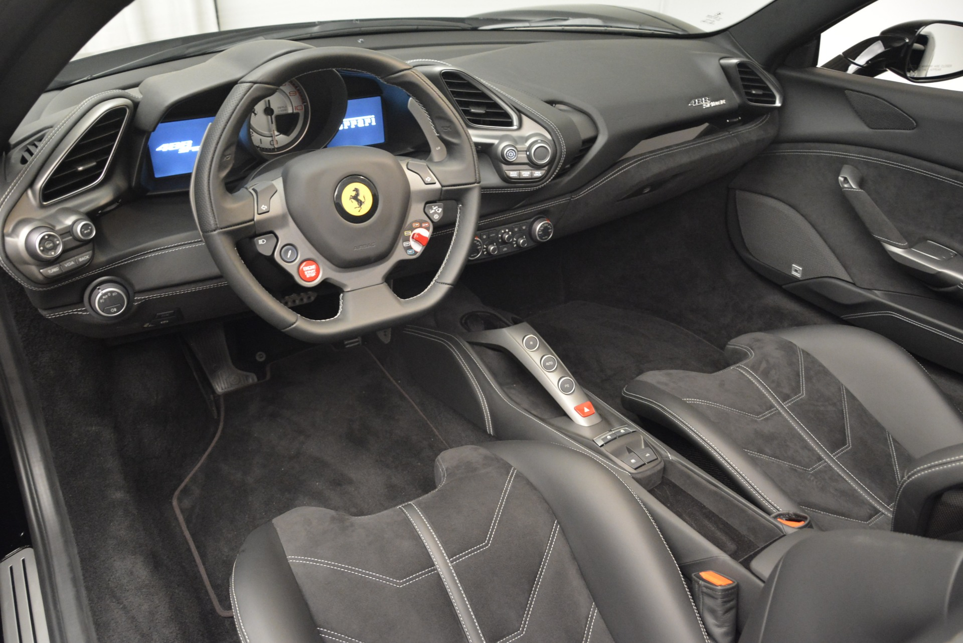 Used 2018 Ferrari 488 Spider  For Sale In Westport, CT 2245_p25
