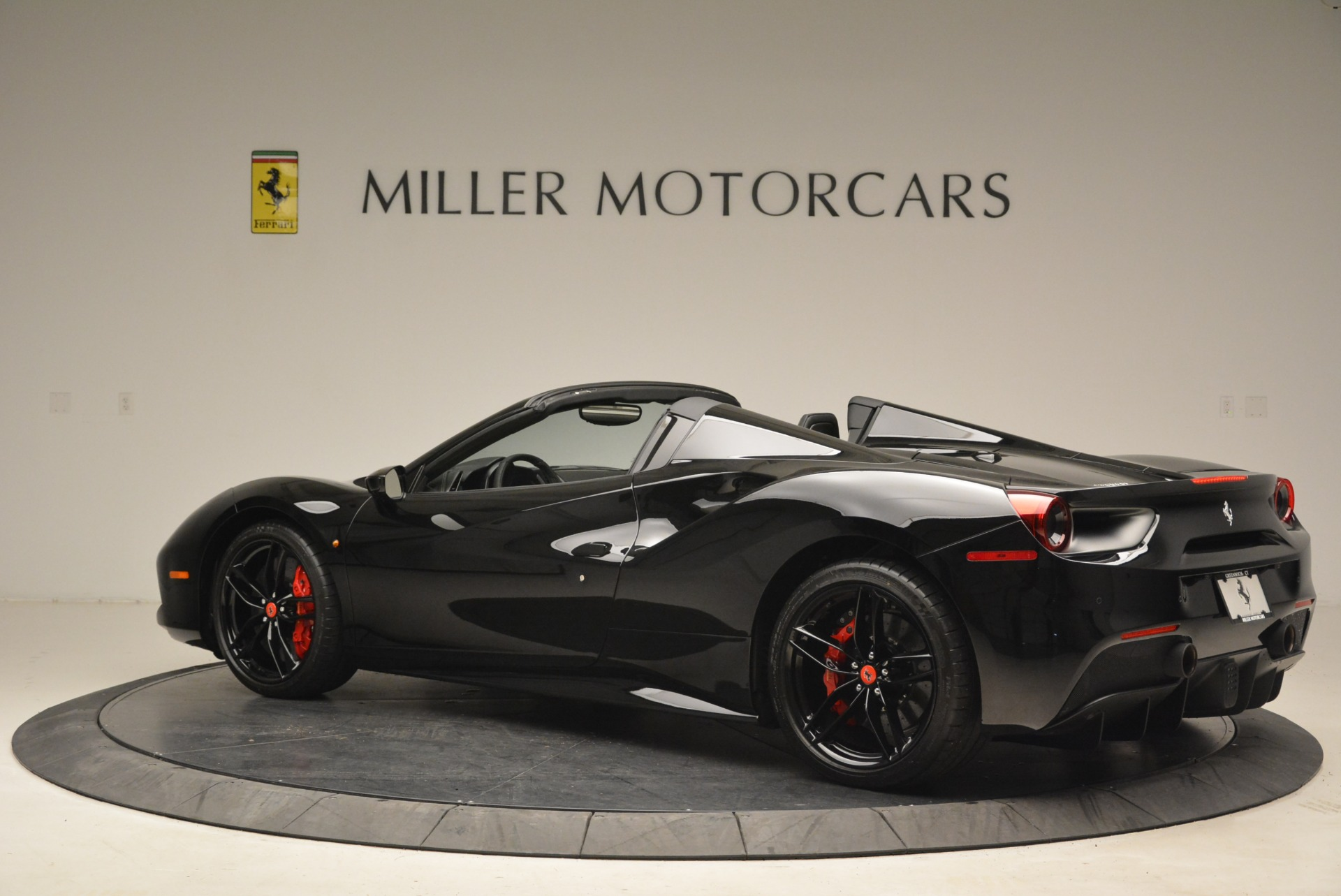 Used 2018 Ferrari 488 Spider  For Sale In Westport, CT 2245_p4