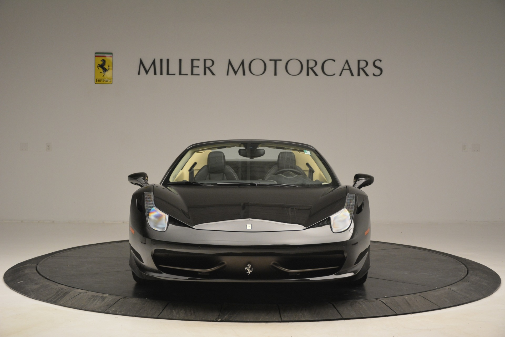 Used 2014 Ferrari 458 Spider  For Sale In Westport, CT 2258_p12