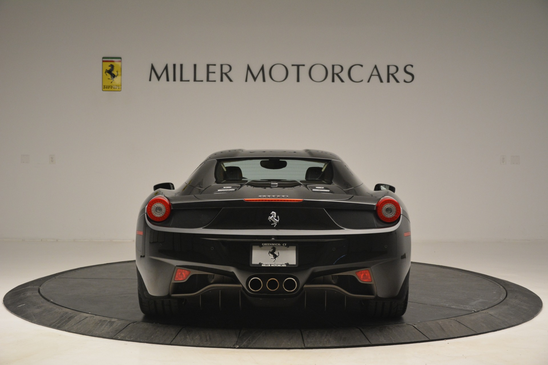 Used 2014 Ferrari 458 Spider  For Sale In Westport, CT 2258_p18