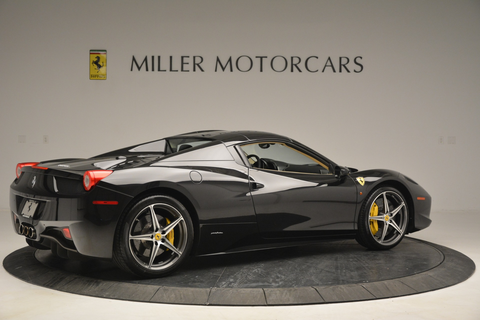 Used 2014 Ferrari 458 Spider  For Sale In Westport, CT 2258_p20