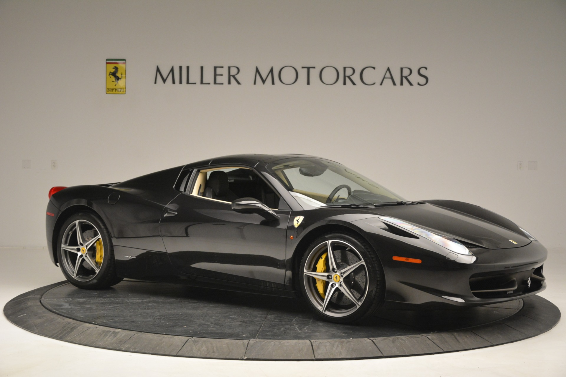 Used 2014 Ferrari 458 Spider  For Sale In Westport, CT 2258_p22