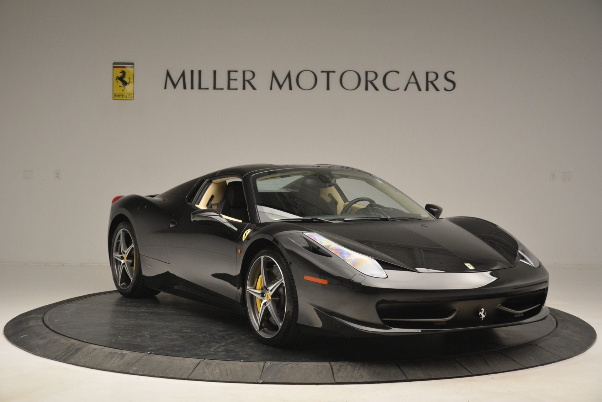 Used 2014 Ferrari 458 Spider  For Sale In Westport, CT 2258_p23
