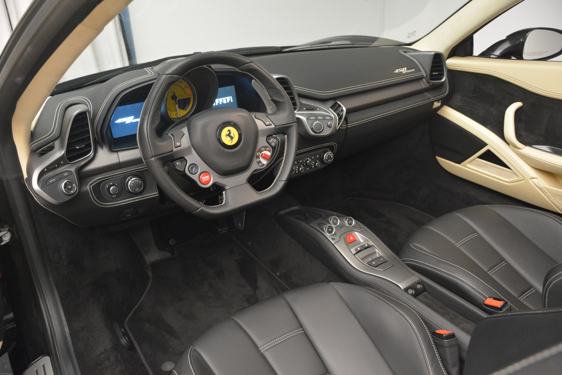 Used 2014 Ferrari 458 Spider  For Sale In Westport, CT 2258_p25