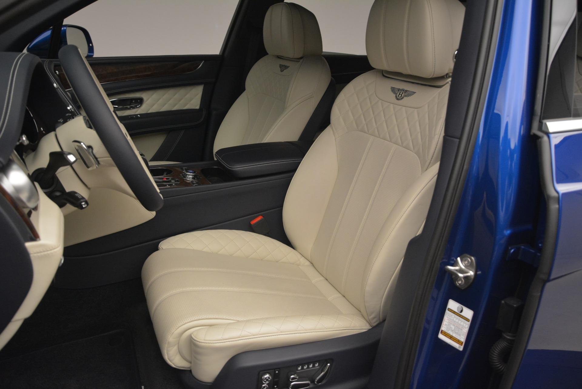 Used 2018 Bentley Bentayga W12 Signature For Sale In Westport, CT 2265_p17