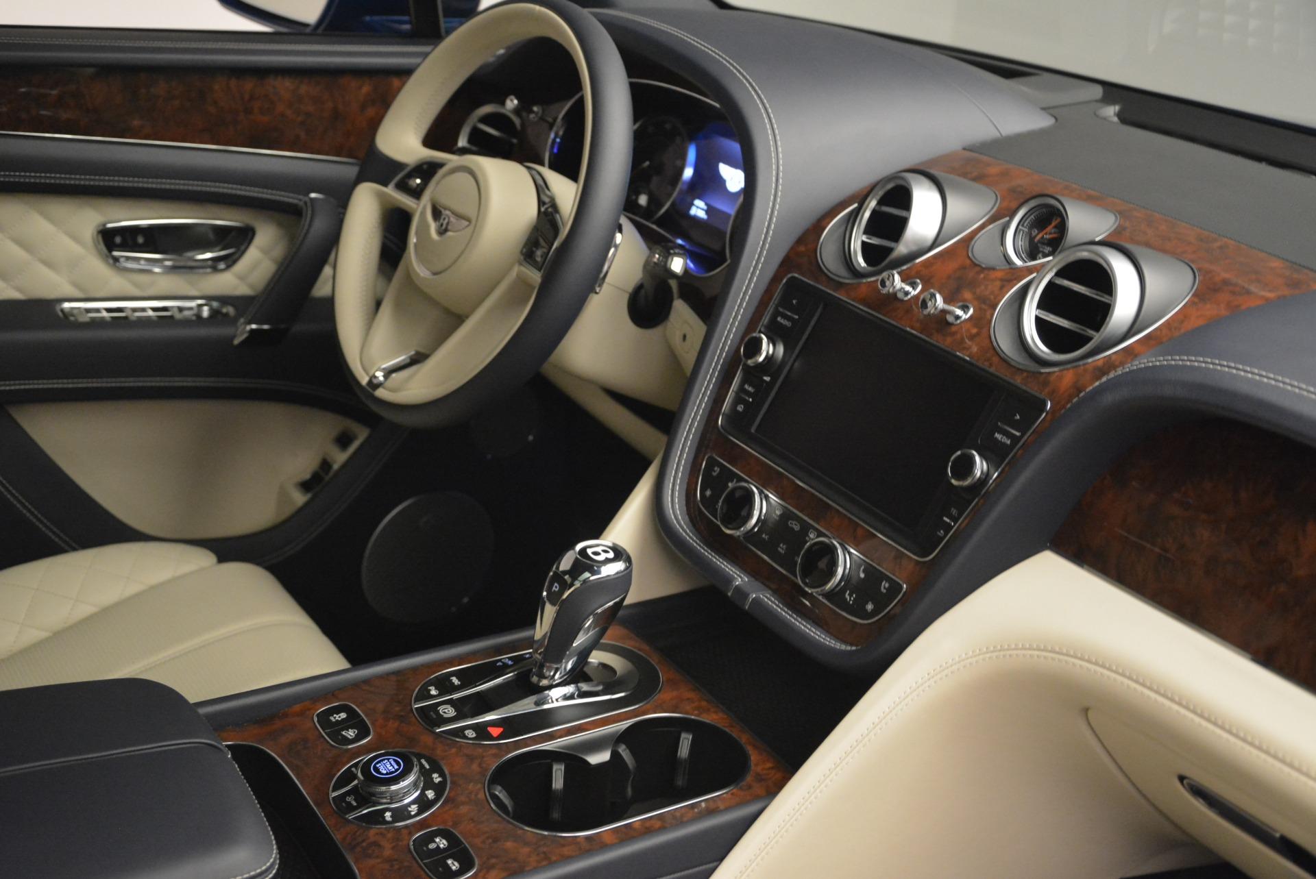 Used 2018 Bentley Bentayga W12 Signature For Sale In Westport, CT 2265_p27