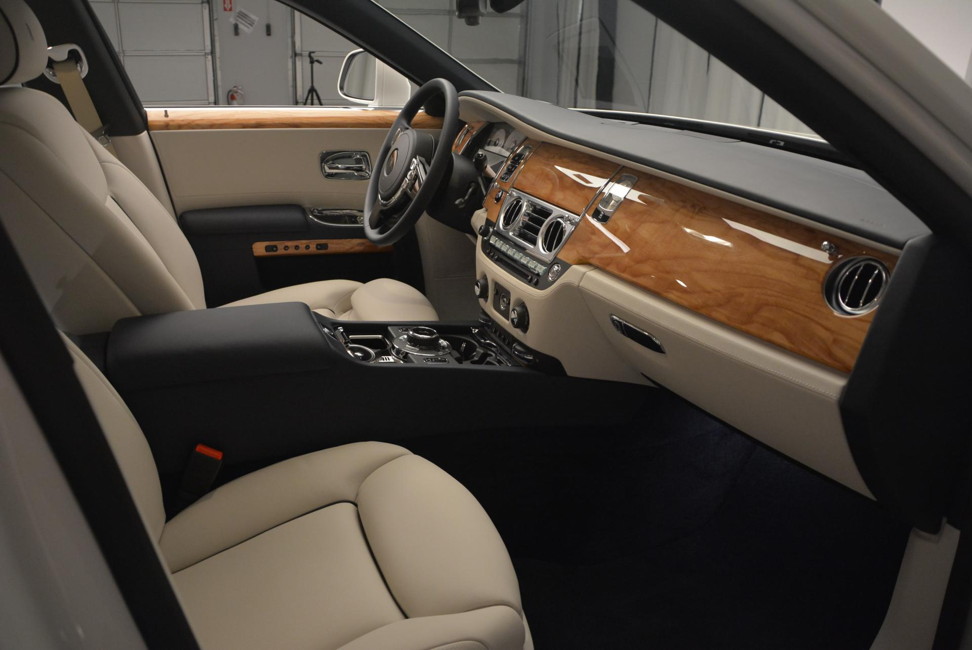 Used 2016 Rolls-Royce Ghost Series II  For Sale In Westport, CT 227_p23
