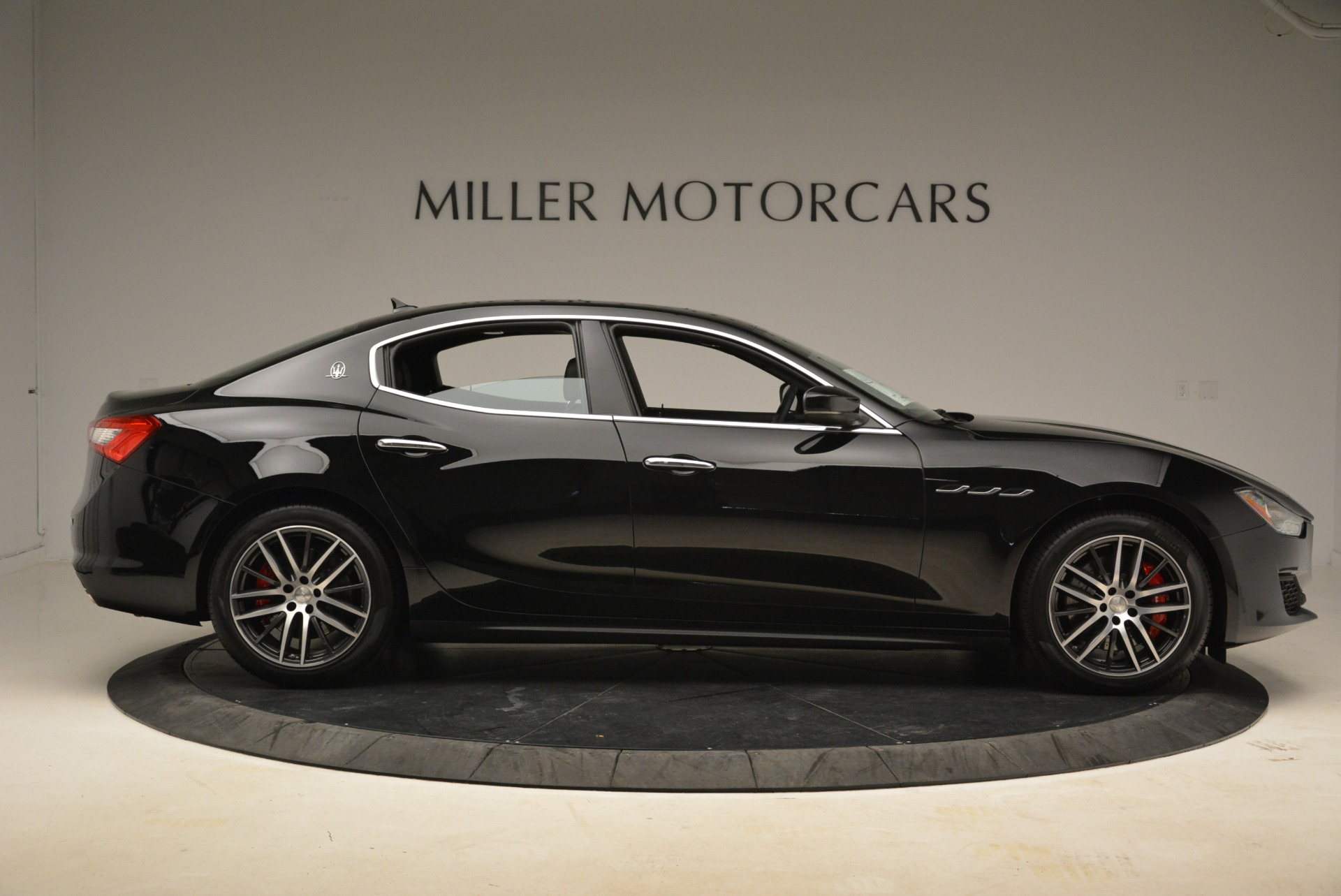 Used 2018 Maserati Ghibli S Q4 For Sale In Westport, CT 2271_p10