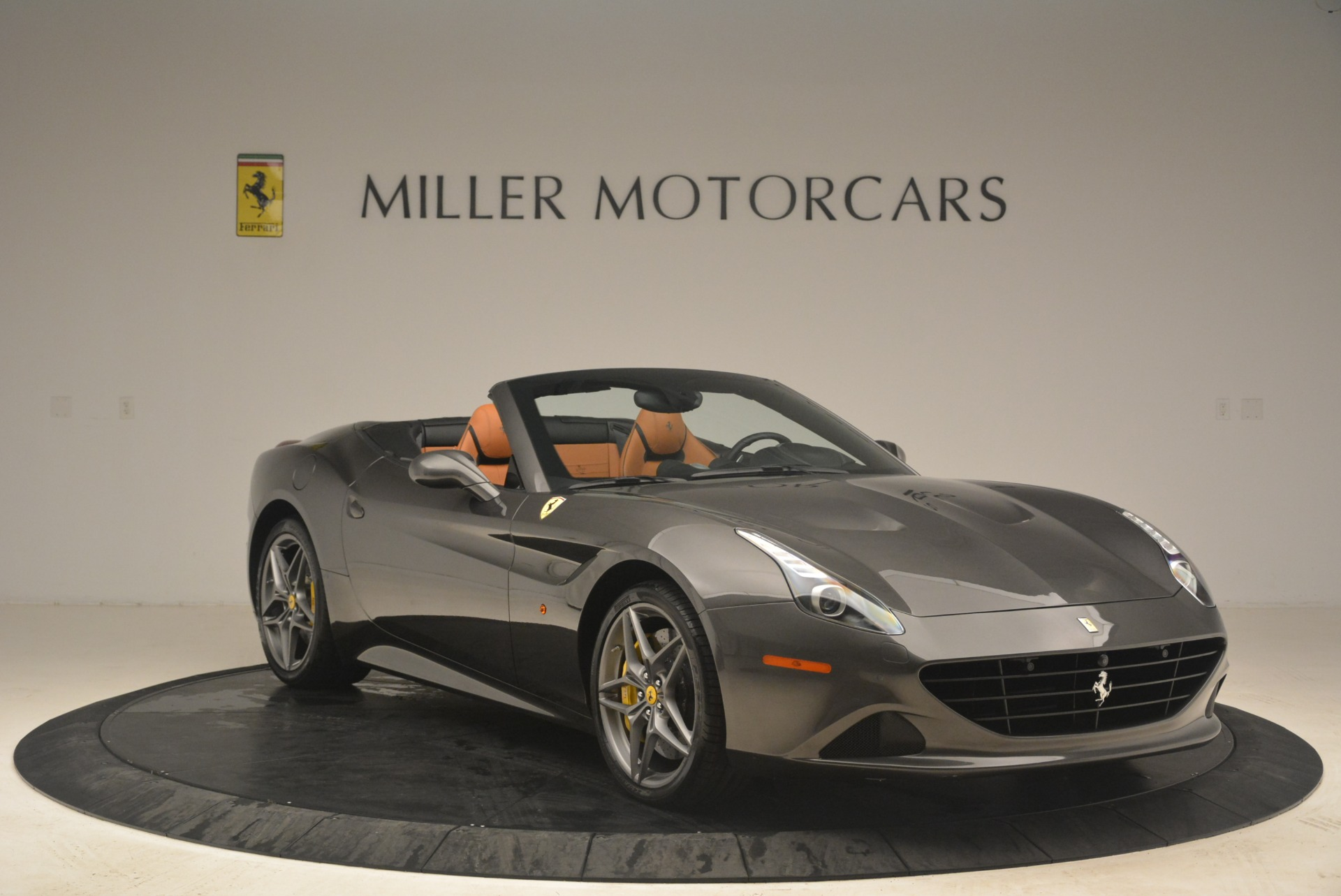 Used 2015 Ferrari California T  For Sale In Westport, CT 2286_p11