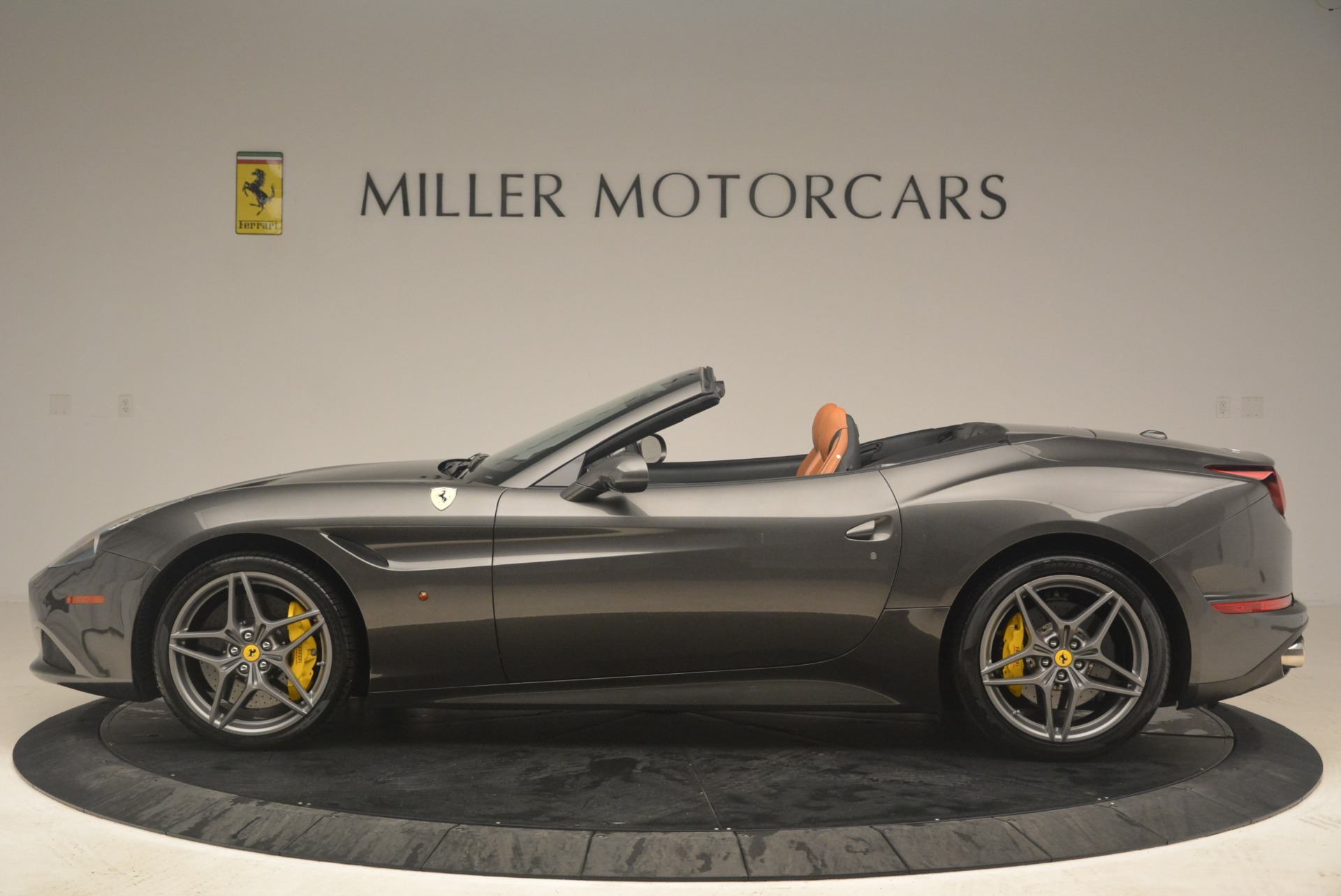 Used 2015 Ferrari California T  For Sale In Westport, CT 2286_p3