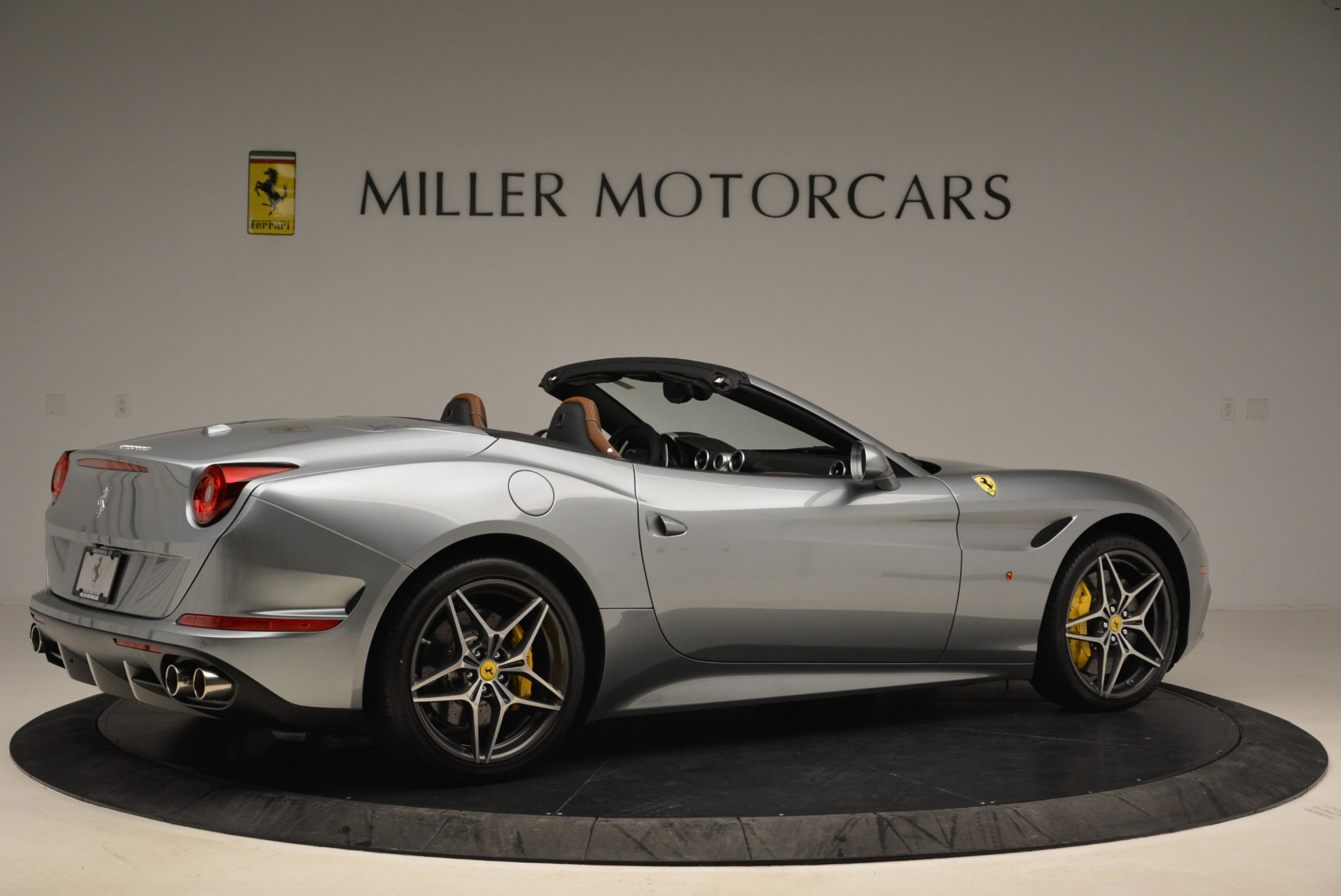 Used 2018 Ferrari California T  For Sale In Westport, CT 2287_p8