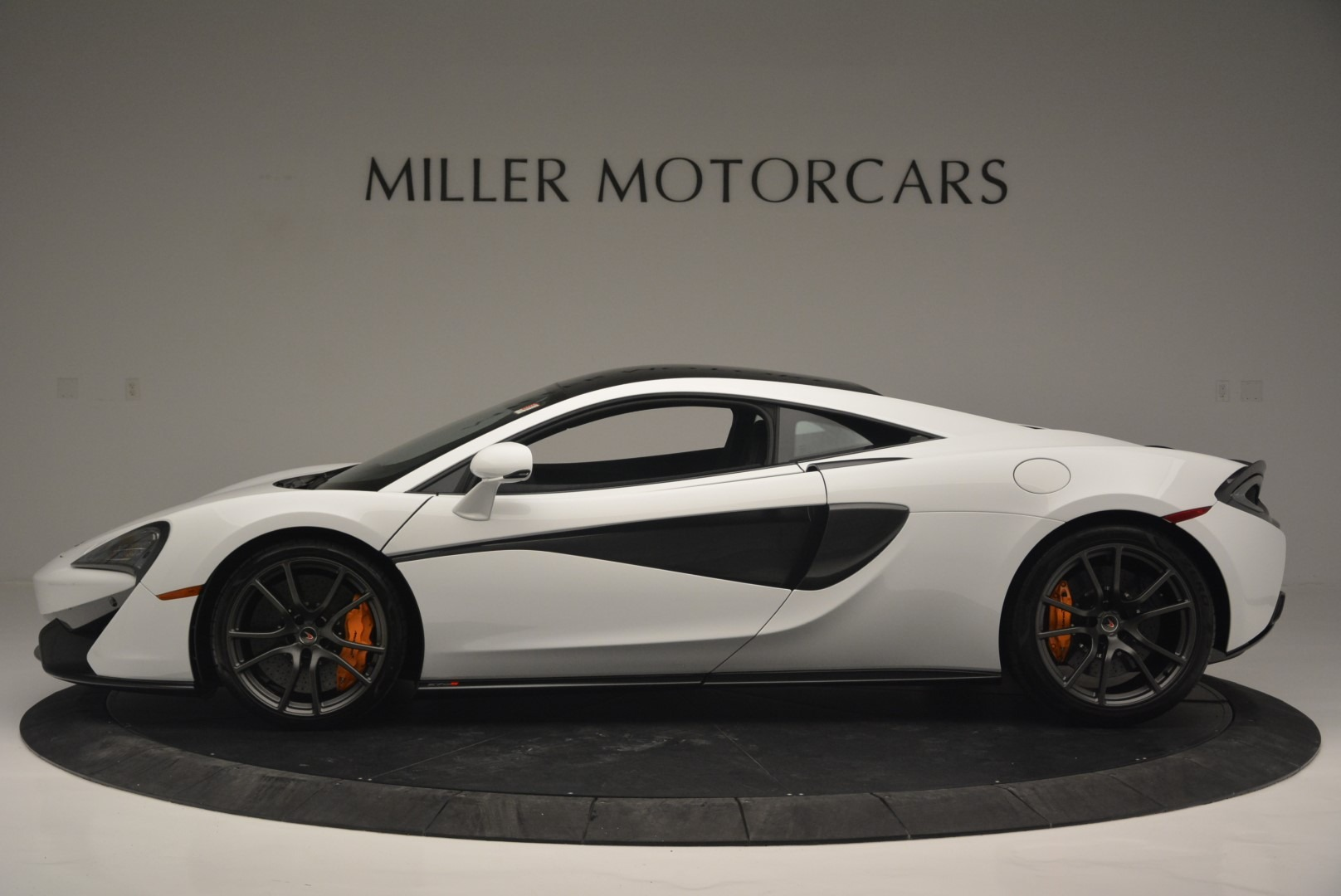 Used 2018 McLaren 570S Track Pack For Sale In Westport, CT 2290_p3