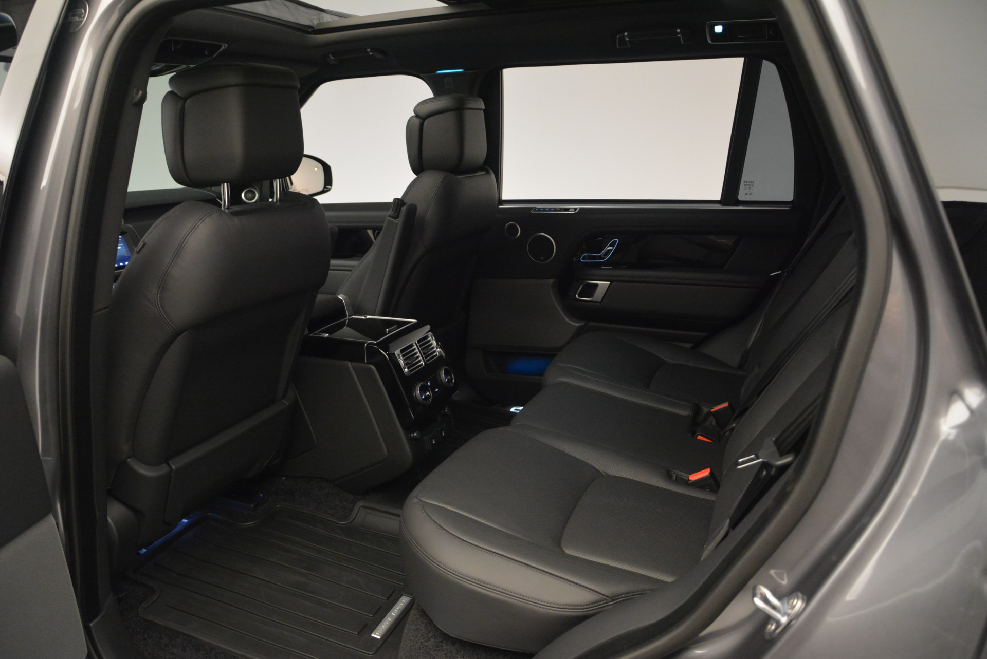 Used 2018 Land Rover Range Rover Supercharged LWB For Sale In Westport, CT 2291_p20