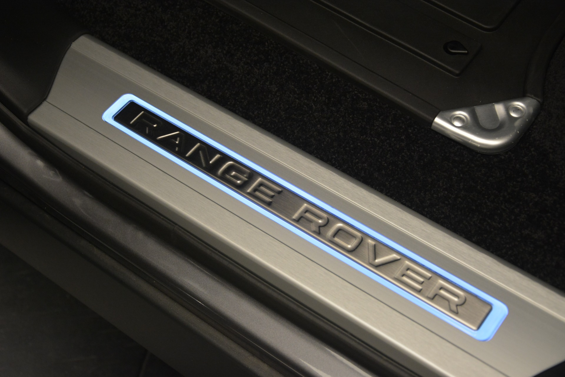 Used 2018 Land Rover Range Rover Supercharged LWB For Sale In Westport, CT 2291_p23