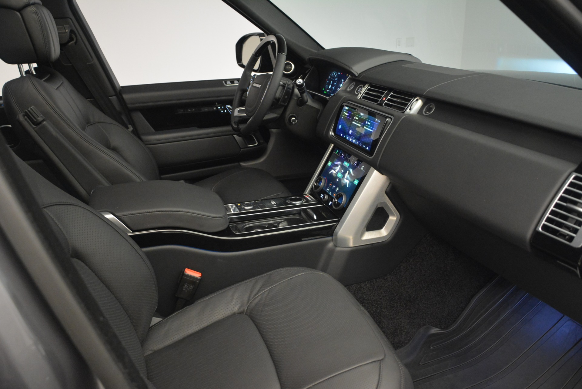 Used 2018 Land Rover Range Rover Supercharged LWB For Sale In Westport, CT 2291_p29