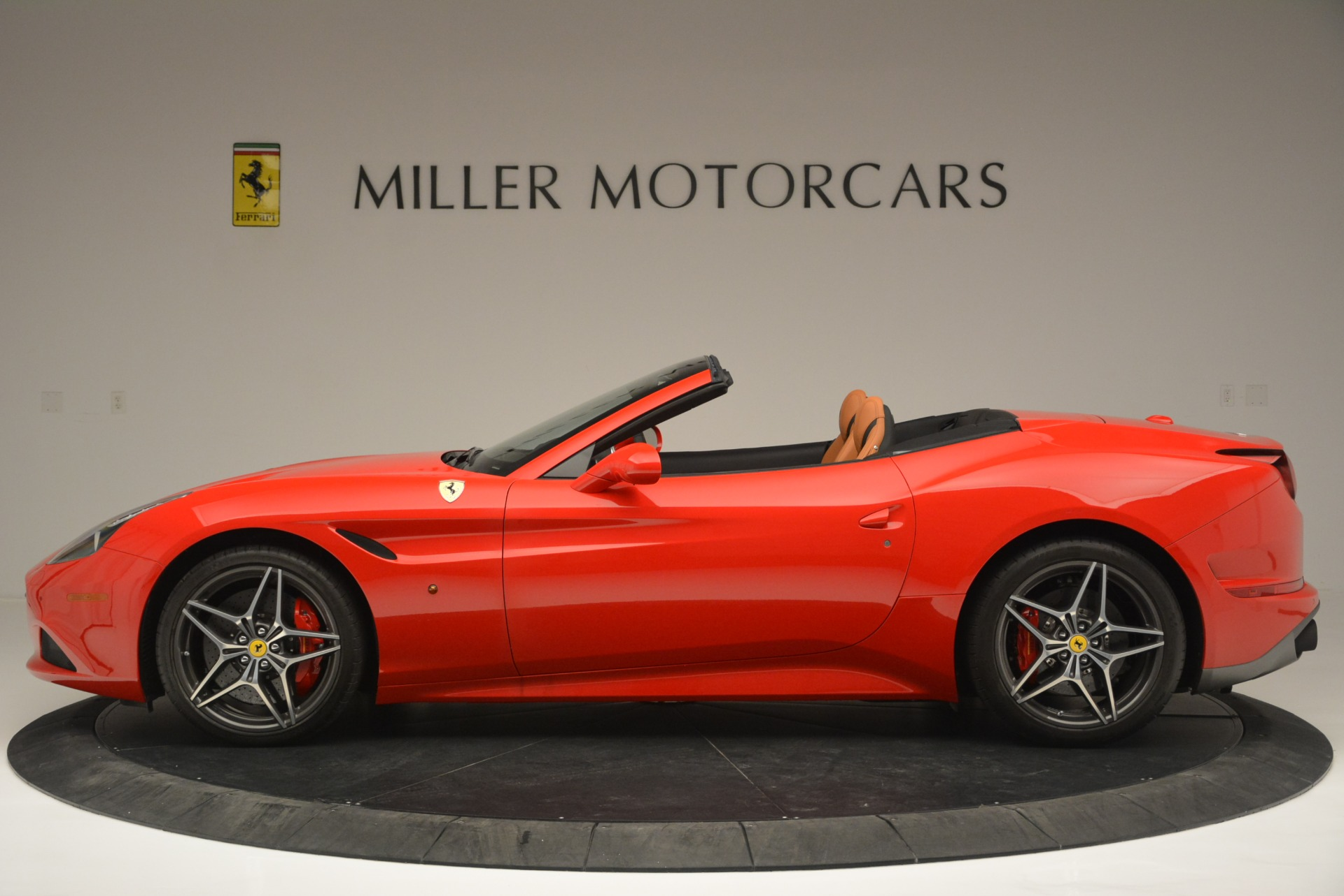 Used 2016 Ferrari California T Handling Speciale For Sale In Westport, CT 2298_p3