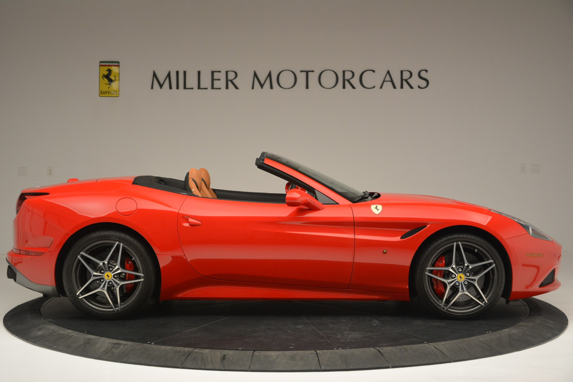 Used 2016 Ferrari California T Handling Speciale For Sale In Westport, CT 2298_p9