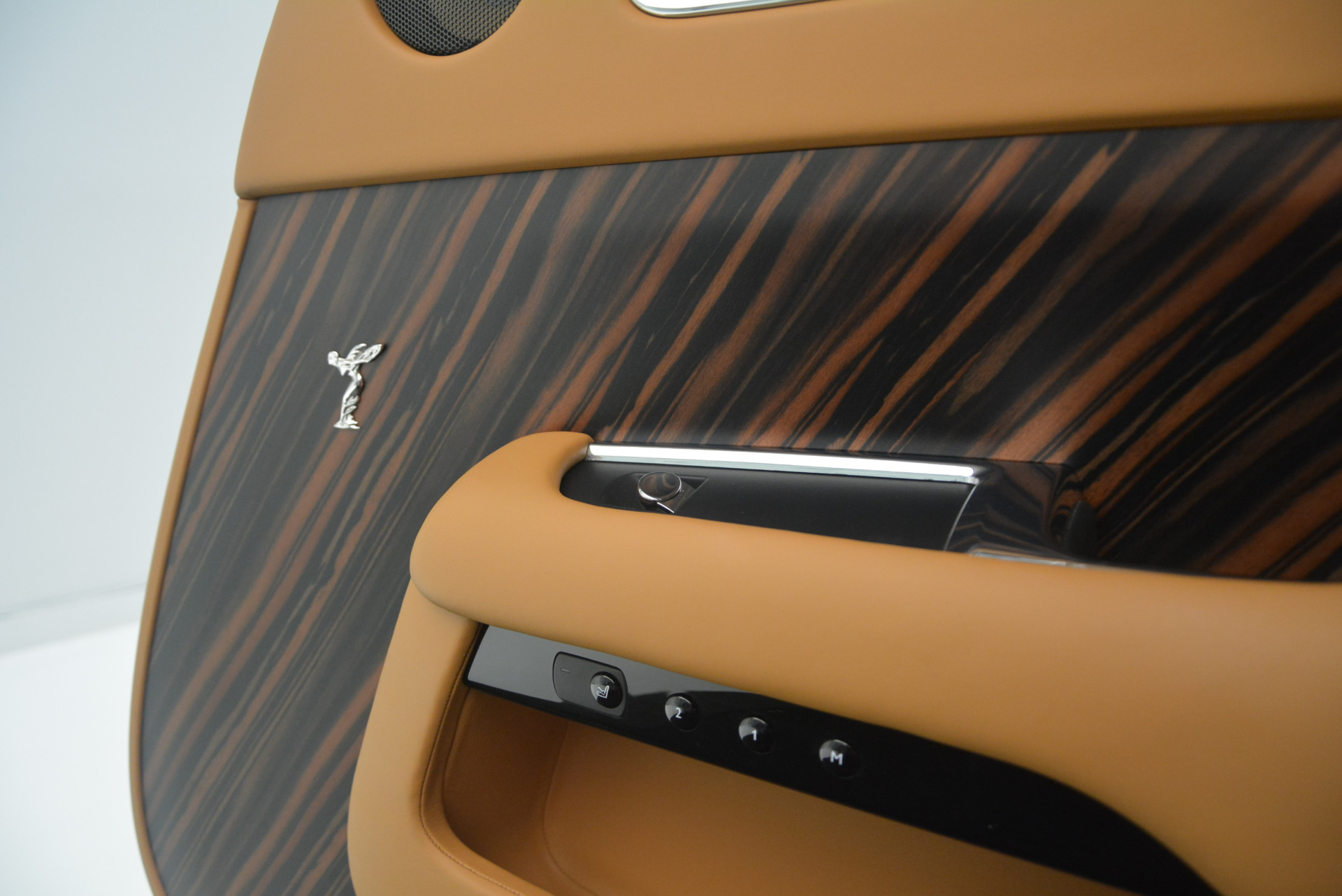 Used 2014 Rolls-Royce Wraith  For Sale In Westport, CT 2305_p28