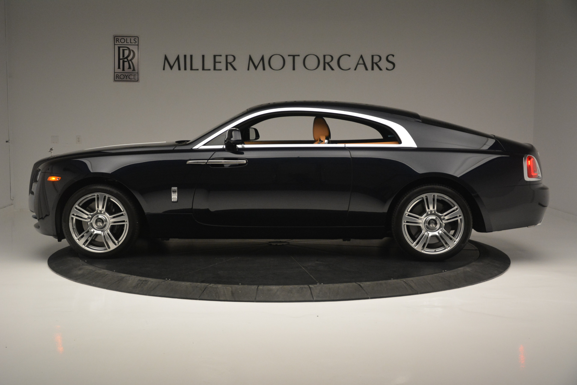 Used 2014 Rolls-Royce Wraith  For Sale In Westport, CT 2305_p3