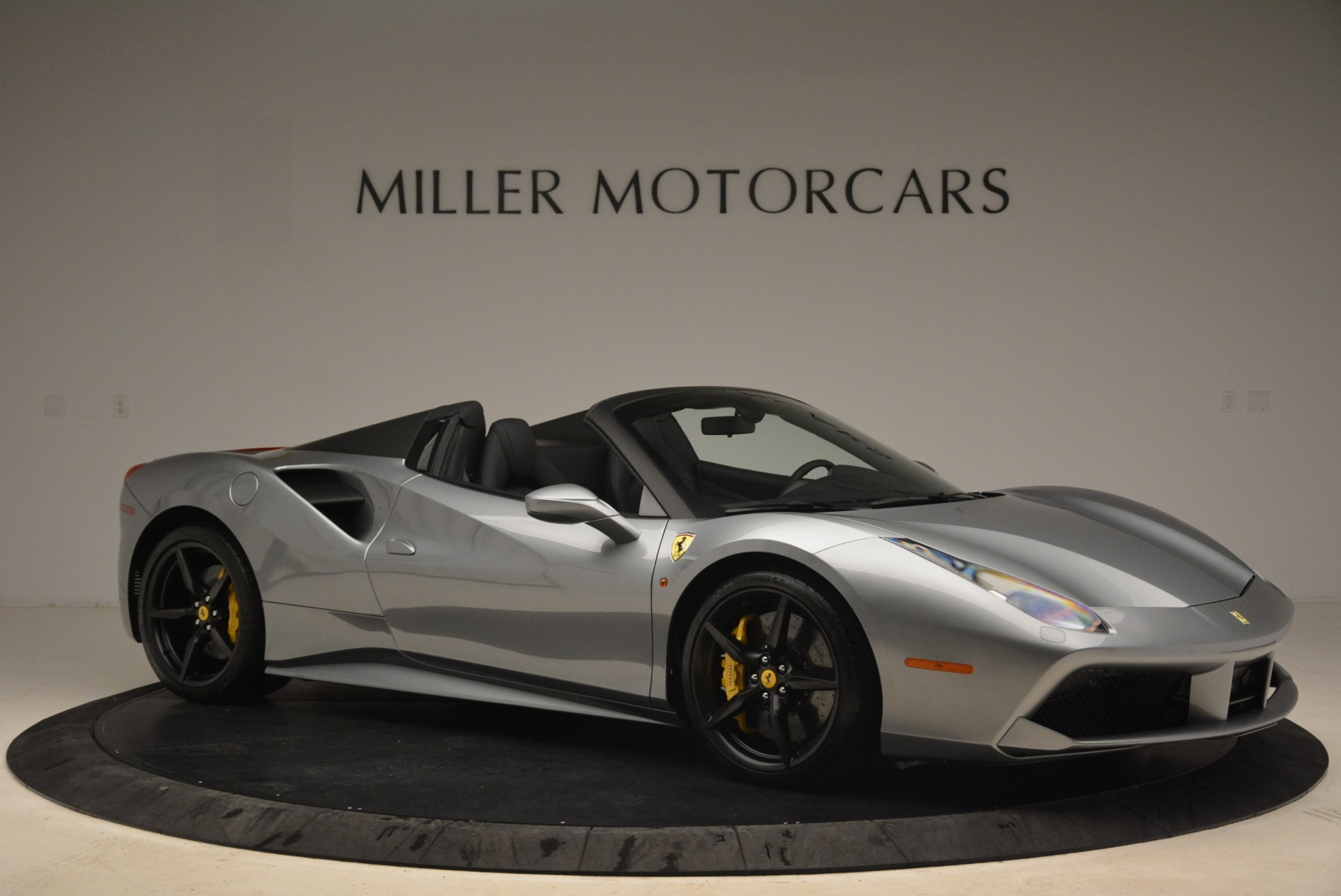 Used 2018 Ferrari 488 Spider  For Sale In Westport, CT 2306_p10