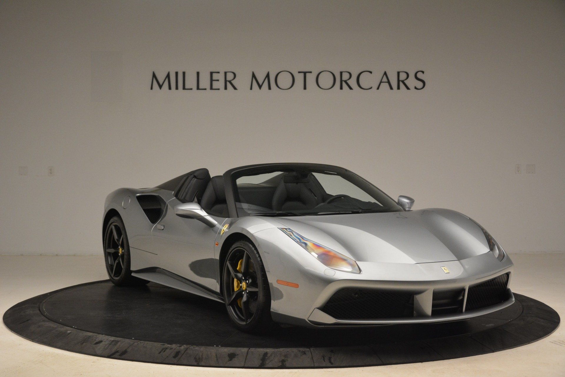 Used 2018 Ferrari 488 Spider  For Sale In Westport, CT 2306_p11