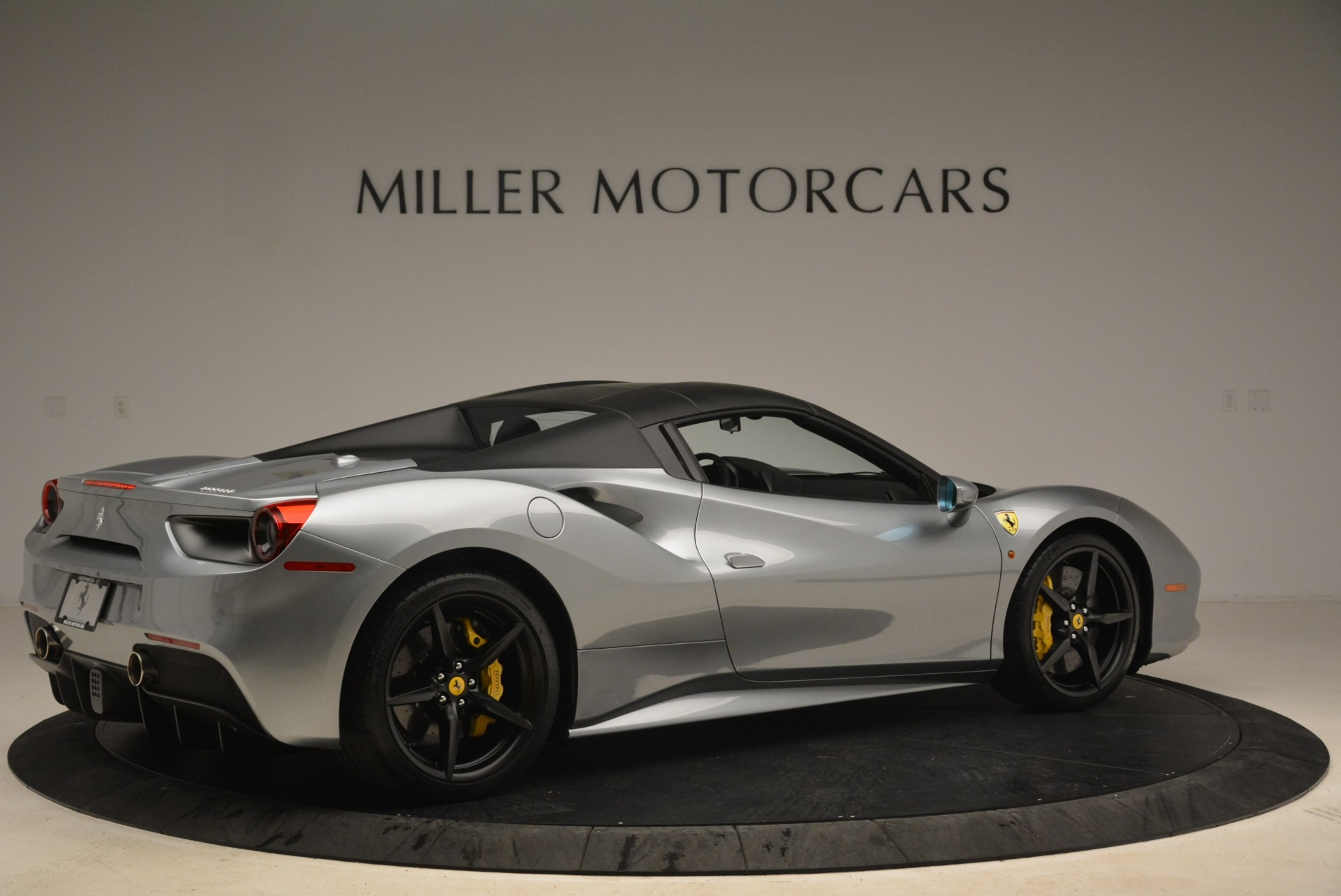 Used 2018 Ferrari 488 Spider  For Sale In Westport, CT 2306_p20