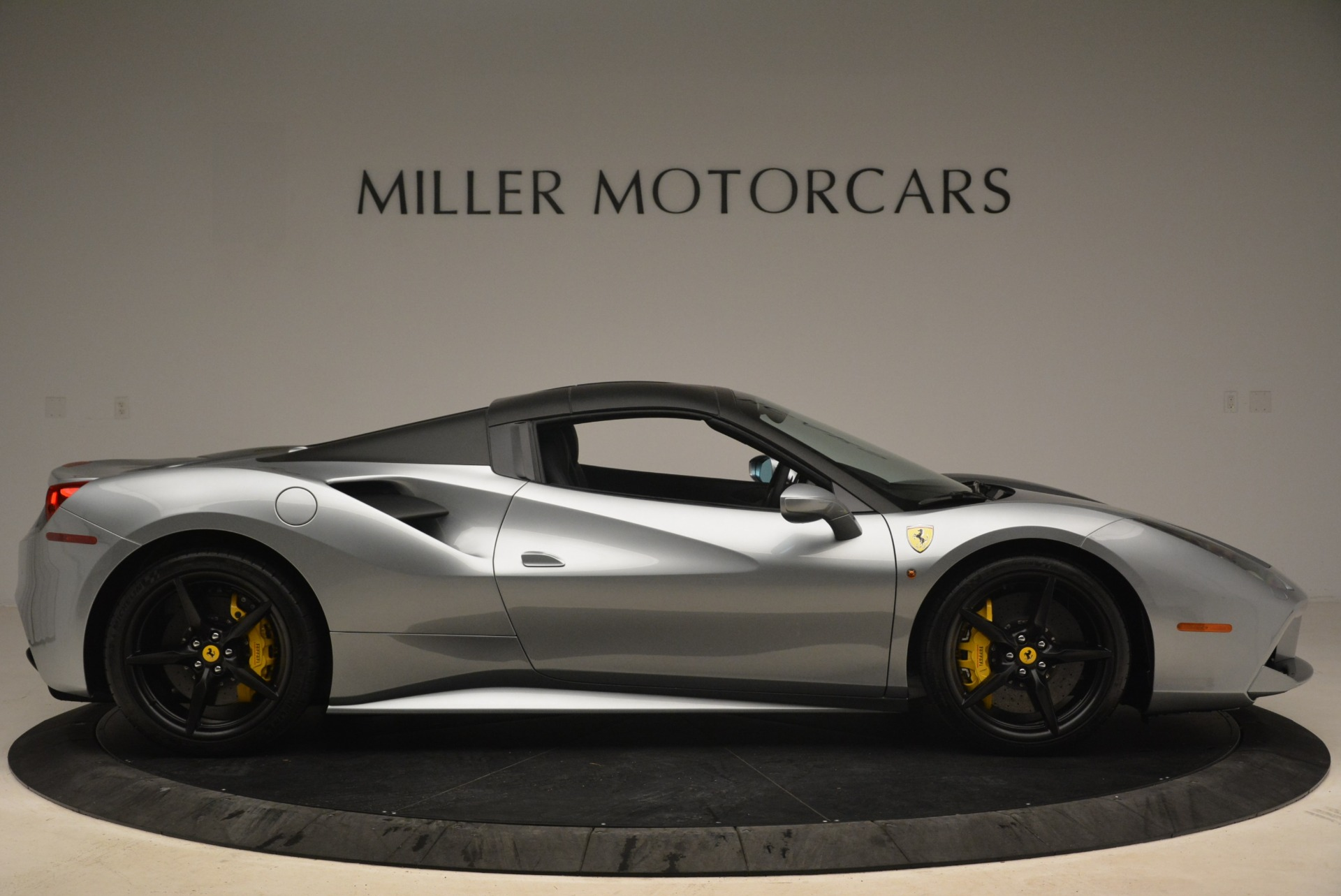 Used 2018 Ferrari 488 Spider  For Sale In Westport, CT 2306_p21