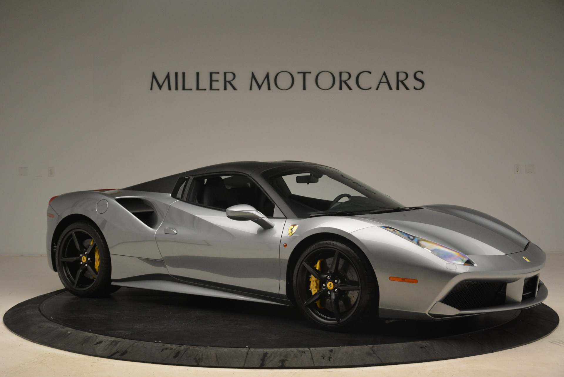 Used 2018 Ferrari 488 Spider  For Sale In Westport, CT 2306_p22
