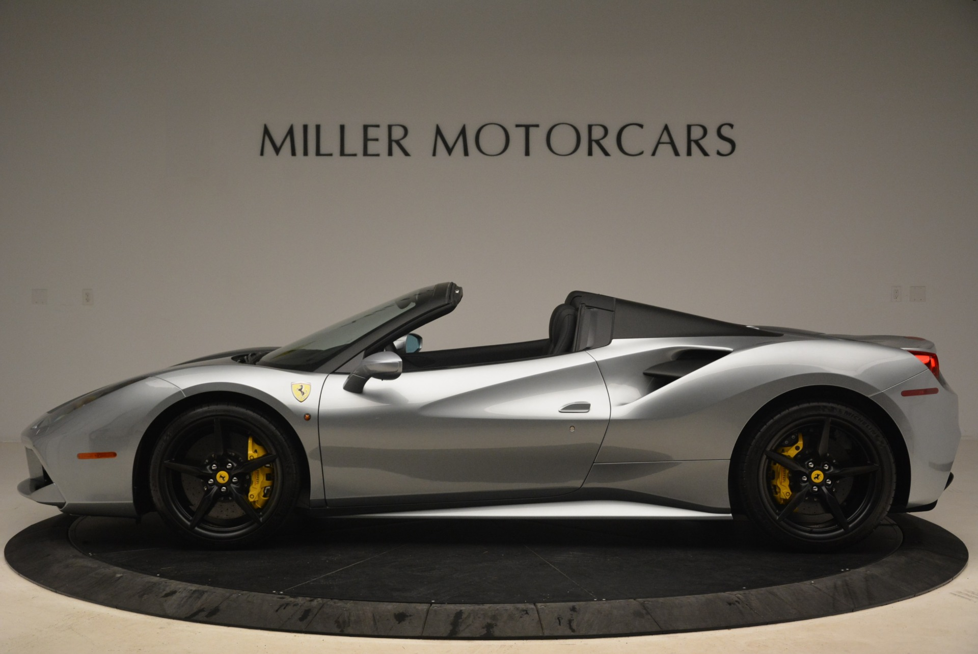 Used 2018 Ferrari 488 Spider  For Sale In Westport, CT 2306_p3