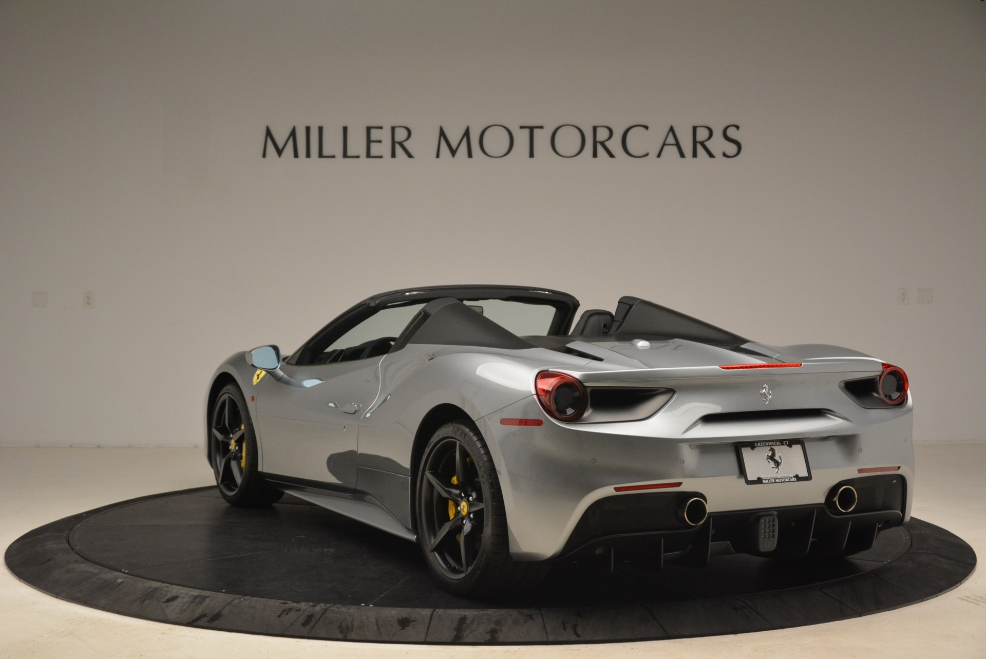 Used 2018 Ferrari 488 Spider  For Sale In Westport, CT 2306_p5