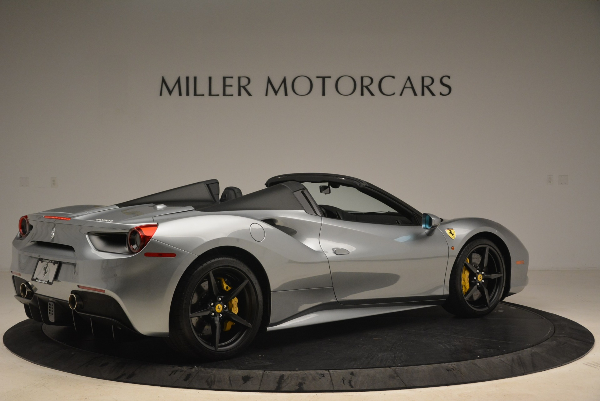 Used 2018 Ferrari 488 Spider  For Sale In Westport, CT 2306_p8