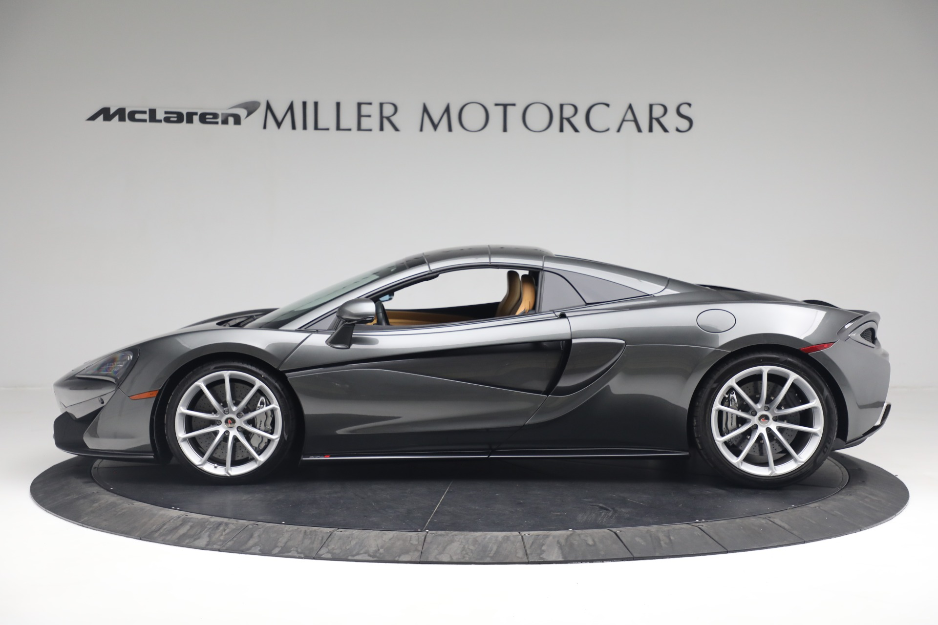 Used 2018 McLaren 570S Spider For Sale In Westport, CT 2308_p17
