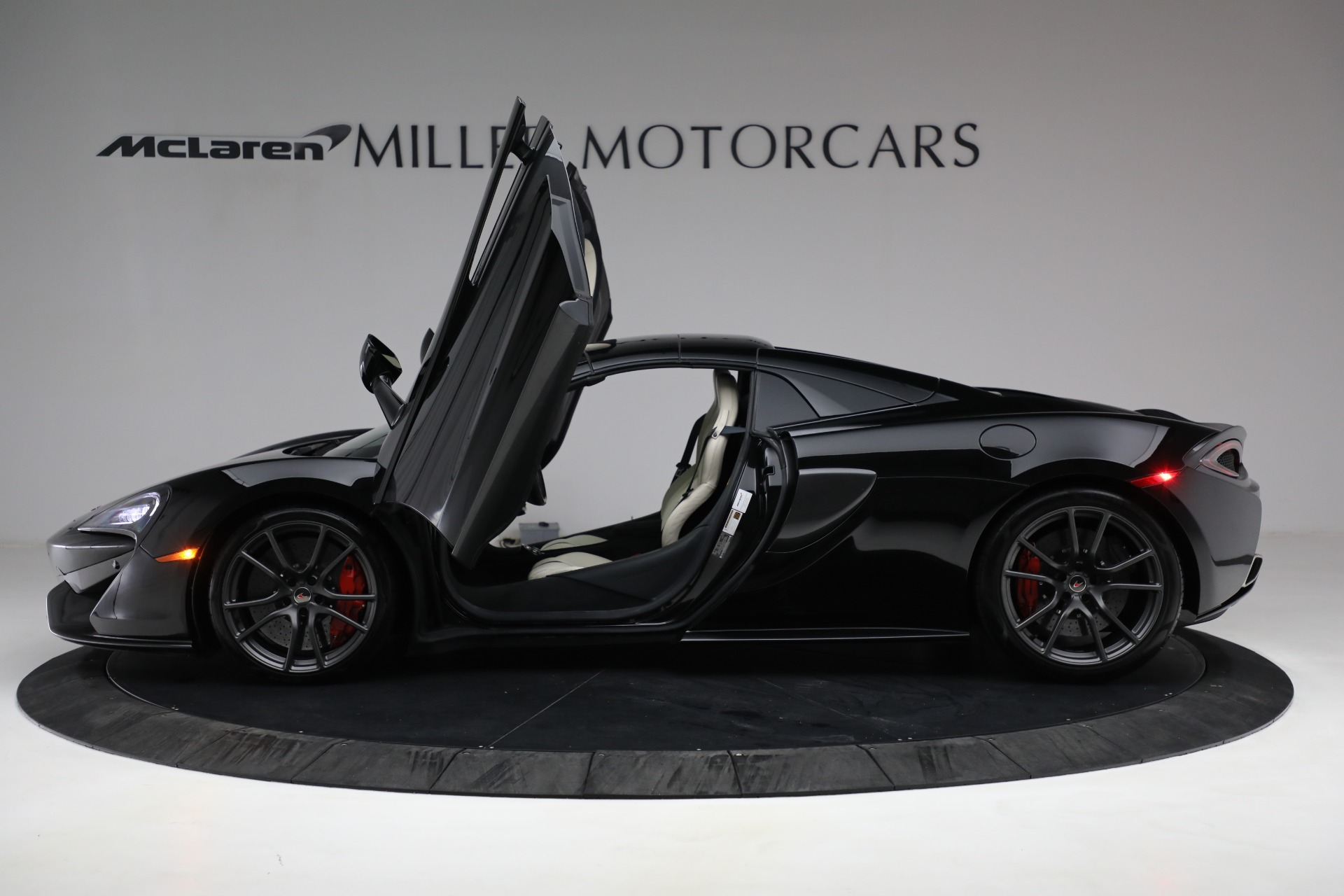 New 2018 McLaren 570S Spider For Sale In Westport, CT 2312_p23