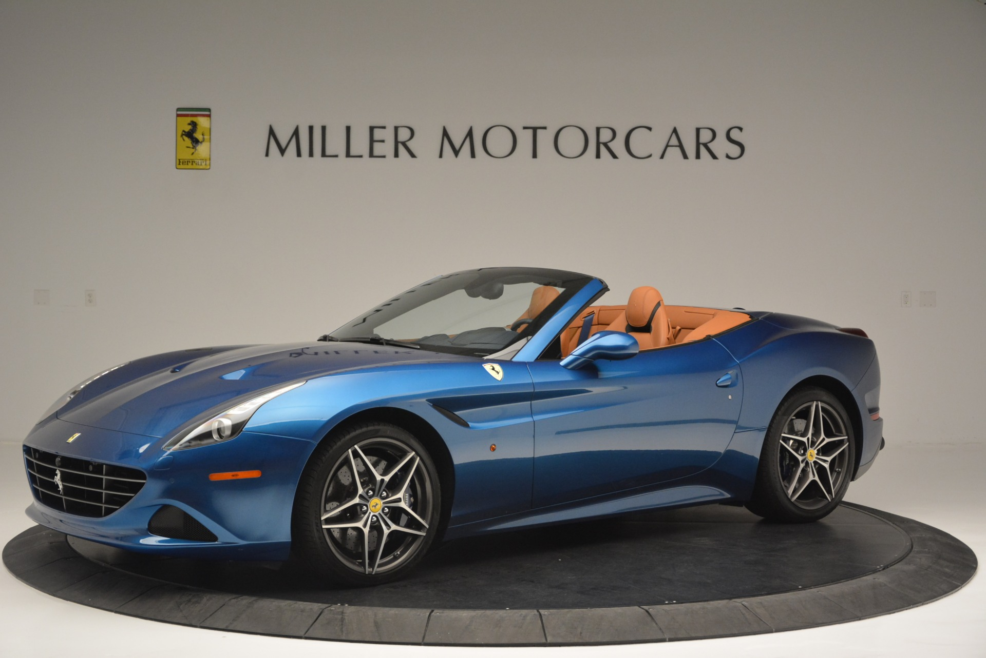 Used 2017 Ferrari California T Handling Speciale For Sale In Westport, CT 2313_p2