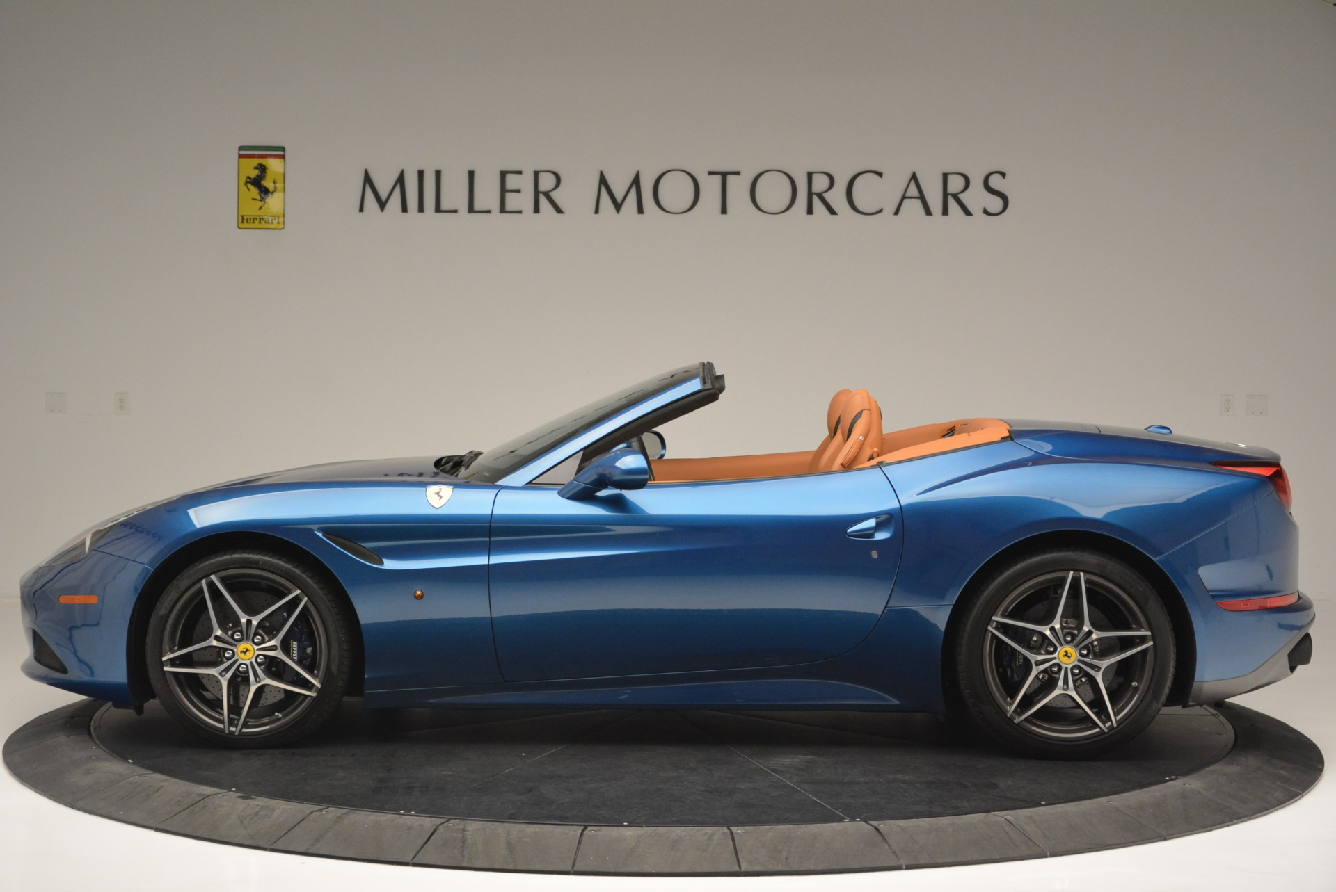 Used 2017 Ferrari California T Handling Speciale For Sale In Westport, CT 2313_p3