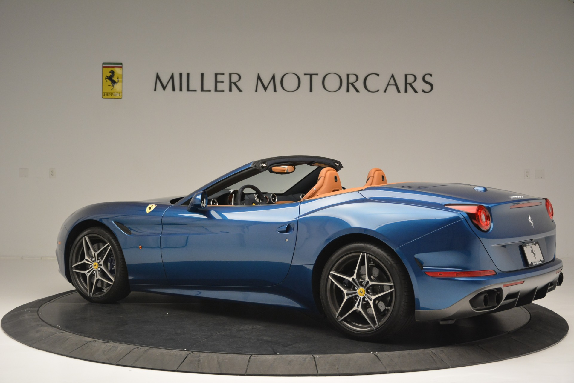 Used 2017 Ferrari California T Handling Speciale For Sale In Westport, CT 2313_p4